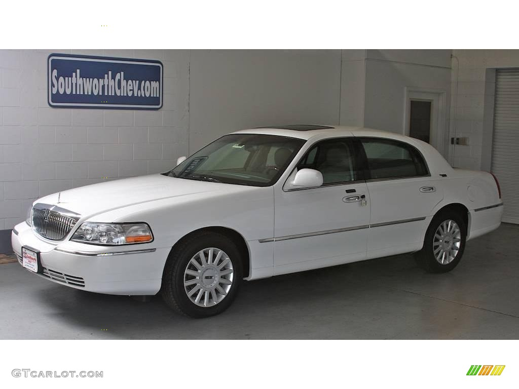 2005 lincoln town car pictures information and specs auto. Black Bedroom Furniture Sets. Home Design Ideas