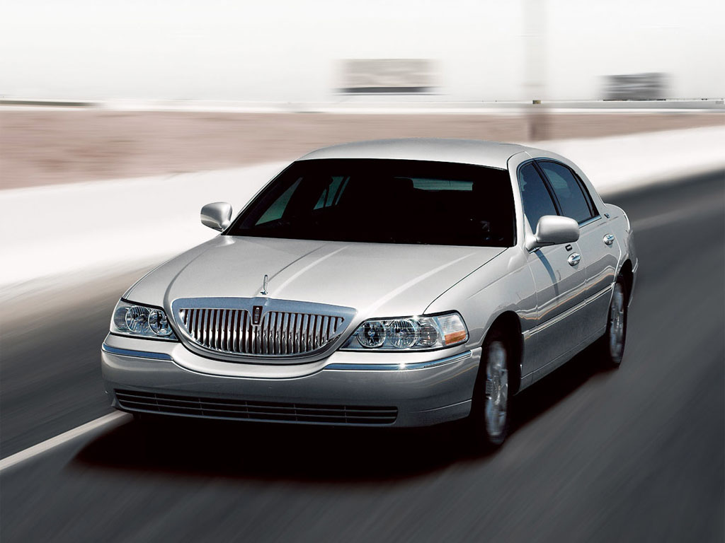 2006 Lincoln Town Car Pictures Information And Specs Auto