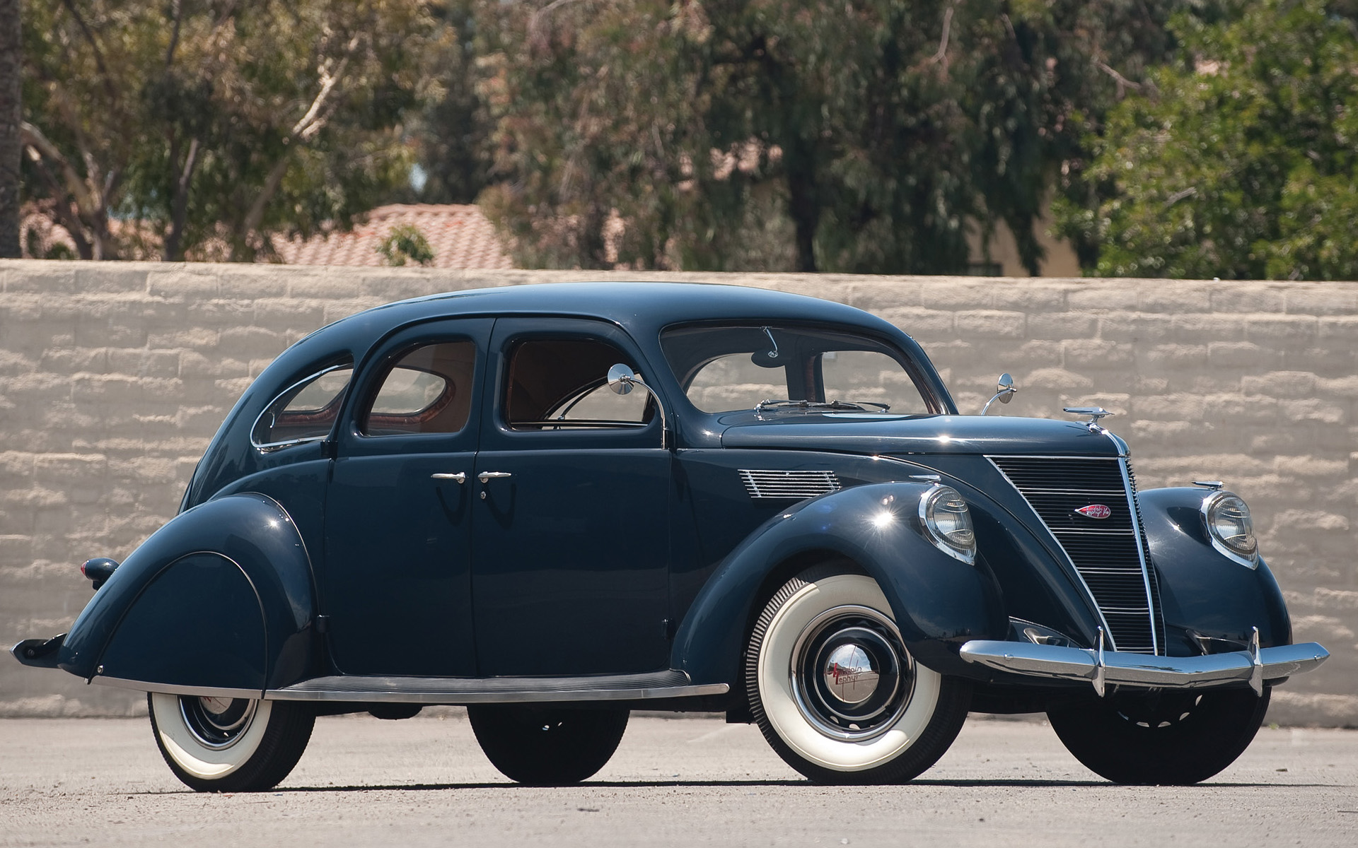 Pictures of lincoln zephyr