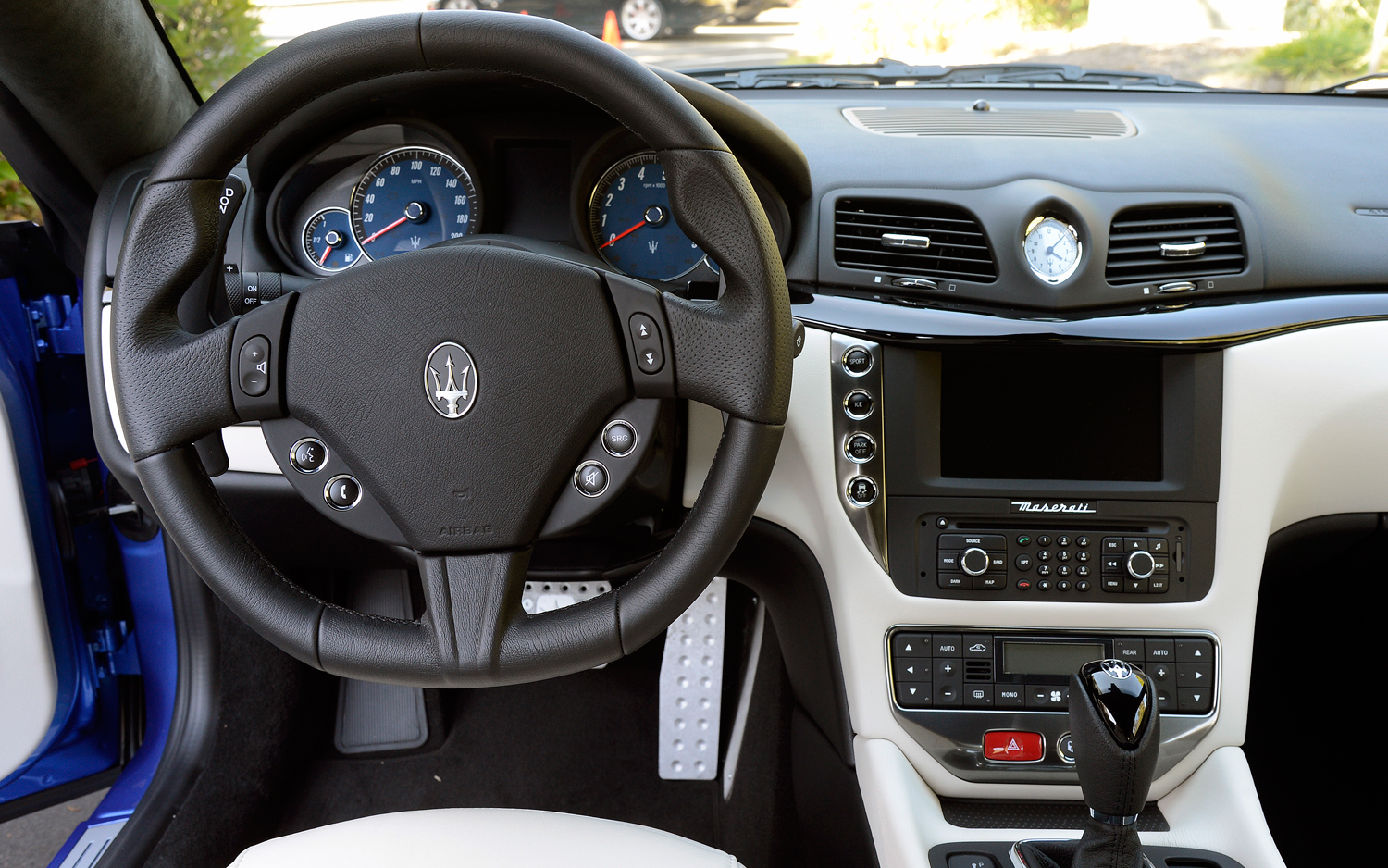 Pictures of maserati coupe 2013