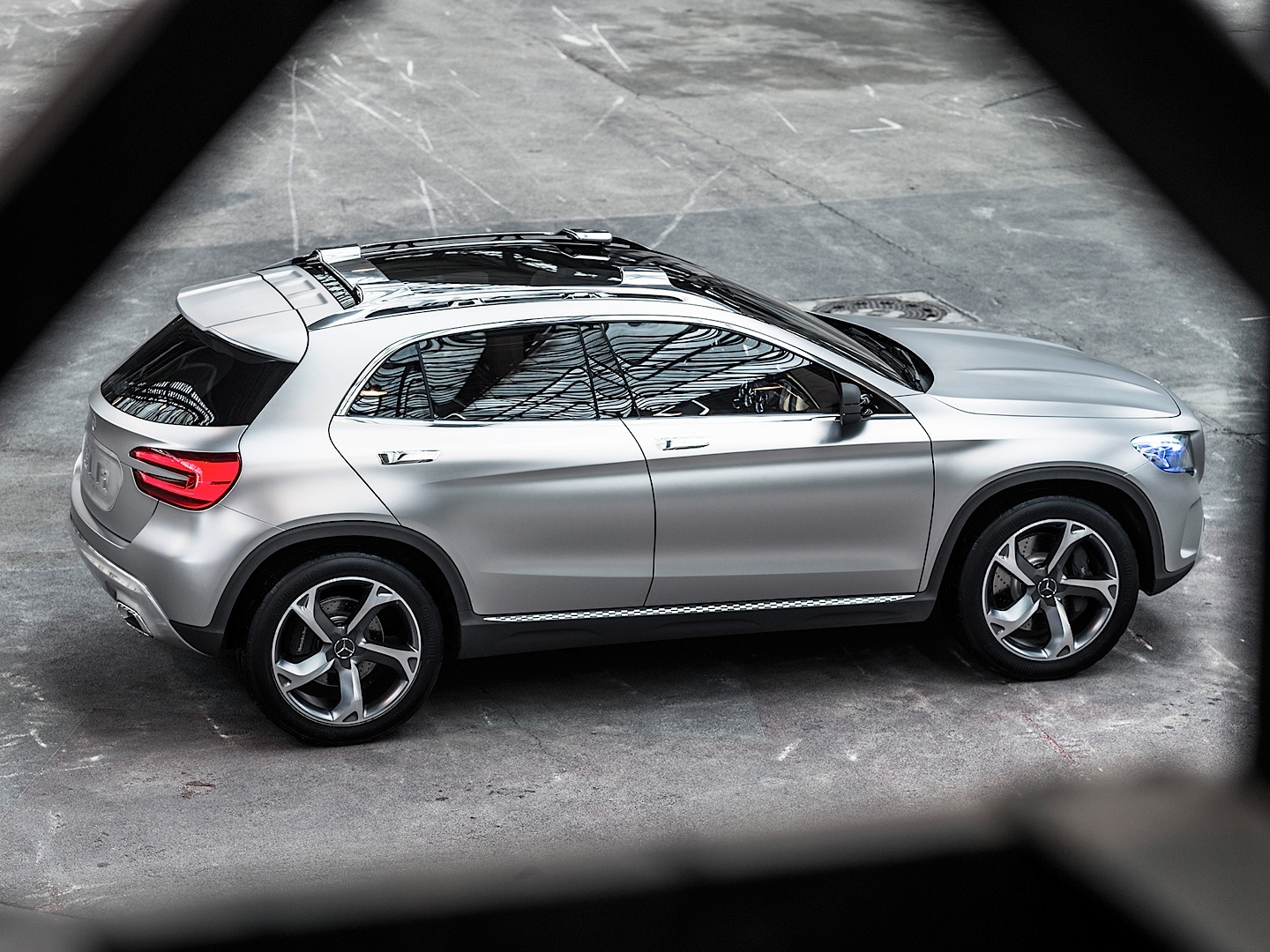 Pictures of mercedes gla