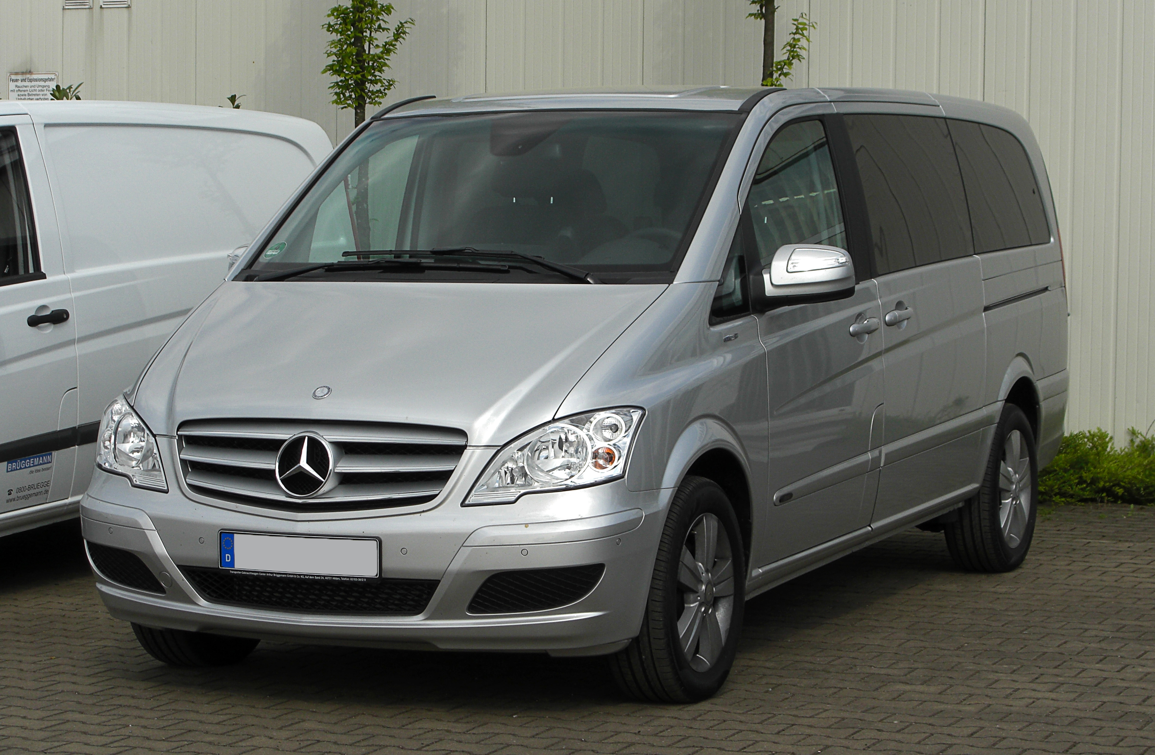 Pictures of mercedes viano #13