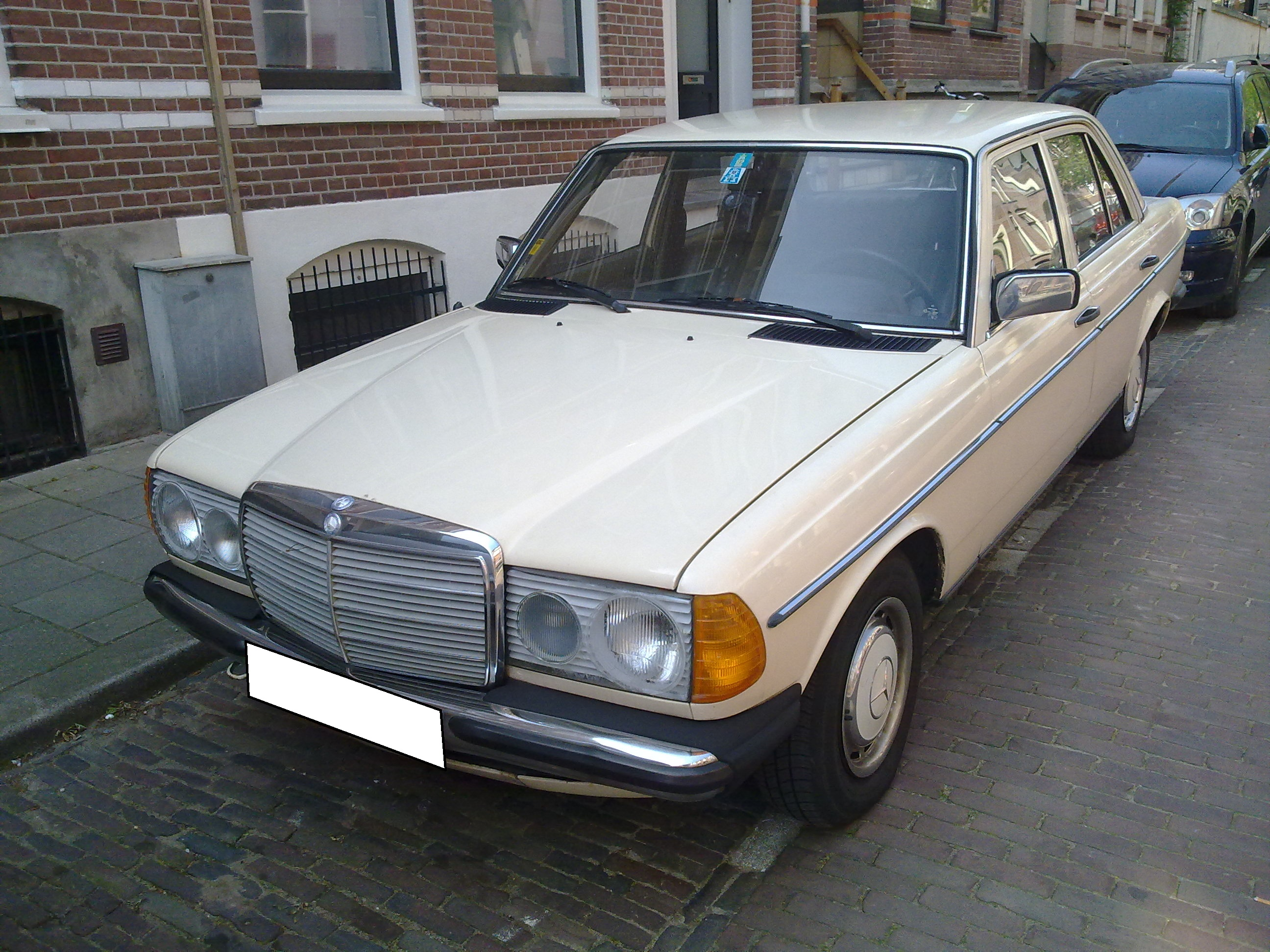 Pictures of mercedes w123 #8