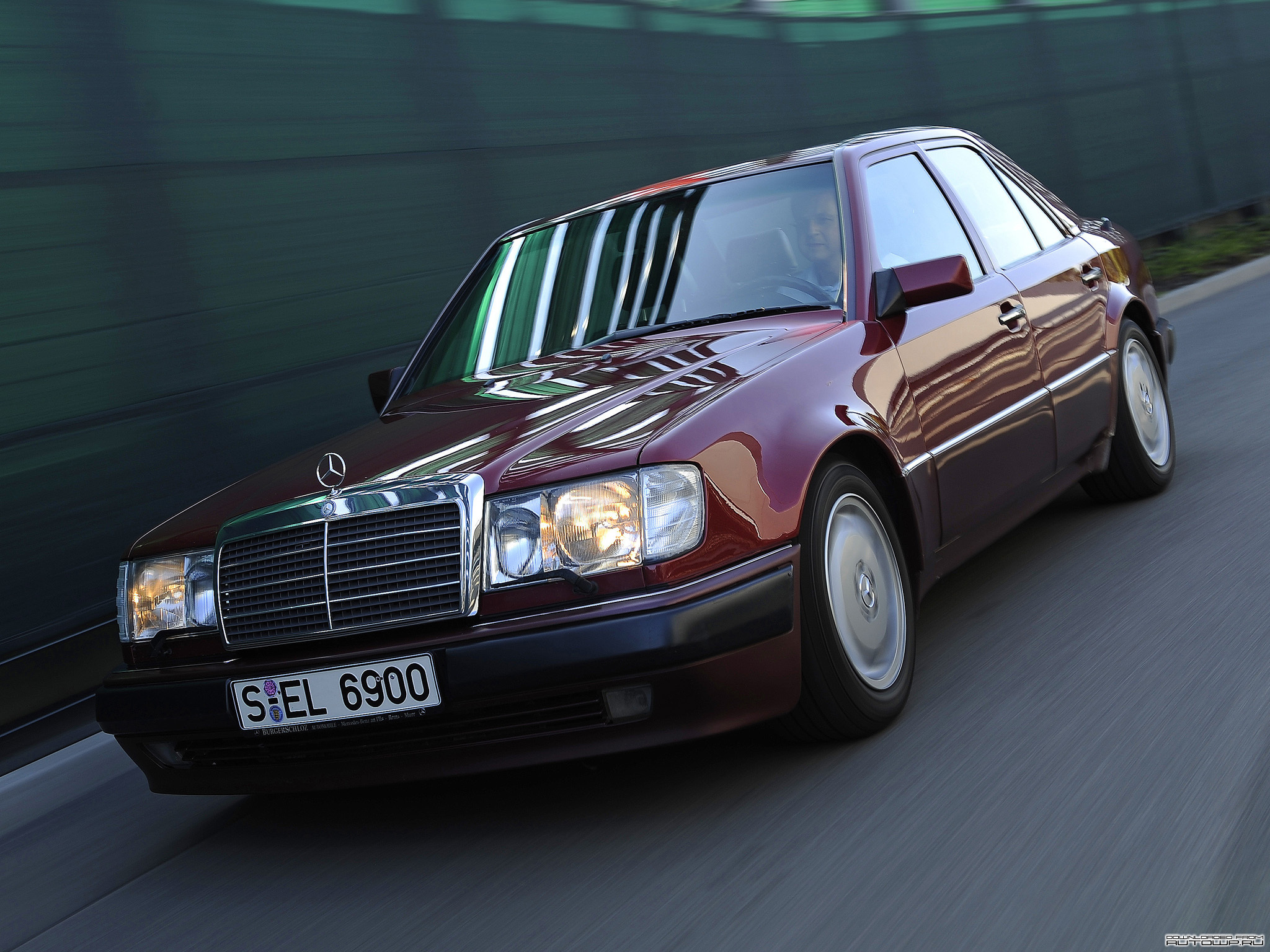Pictures of mercedes w124 #1