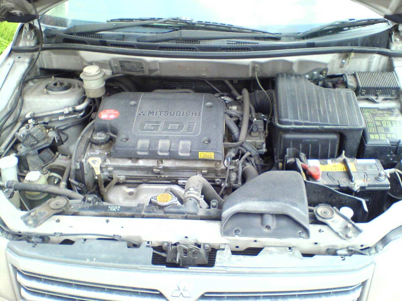 Pictures of mitsubishi chariot grandis (n11) 2001