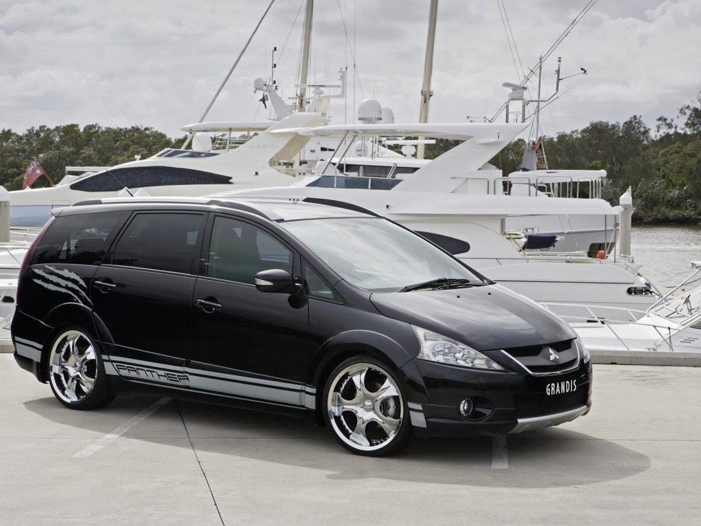 Pictures of mitsubishi grandis 2011 #5