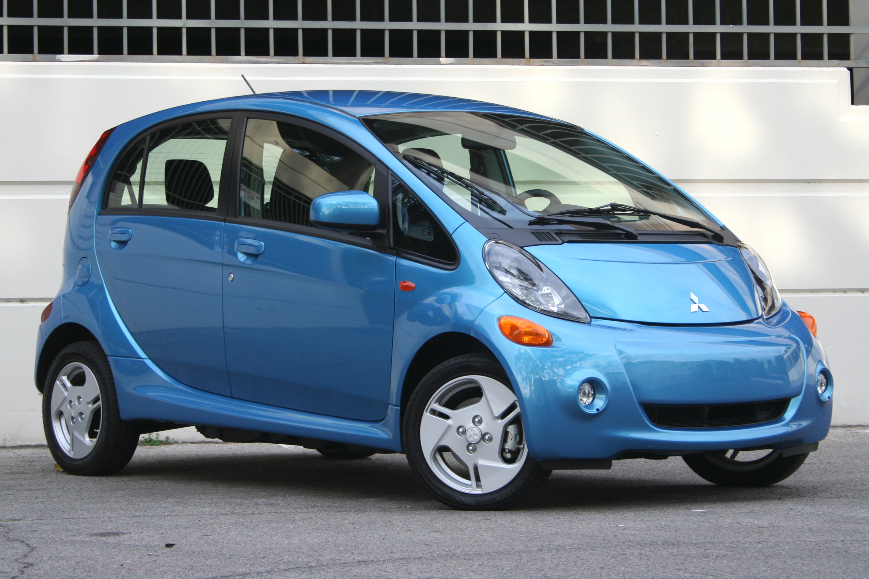 Pictures of mitsubishi i-miev 2016 - Auto-Database.com
