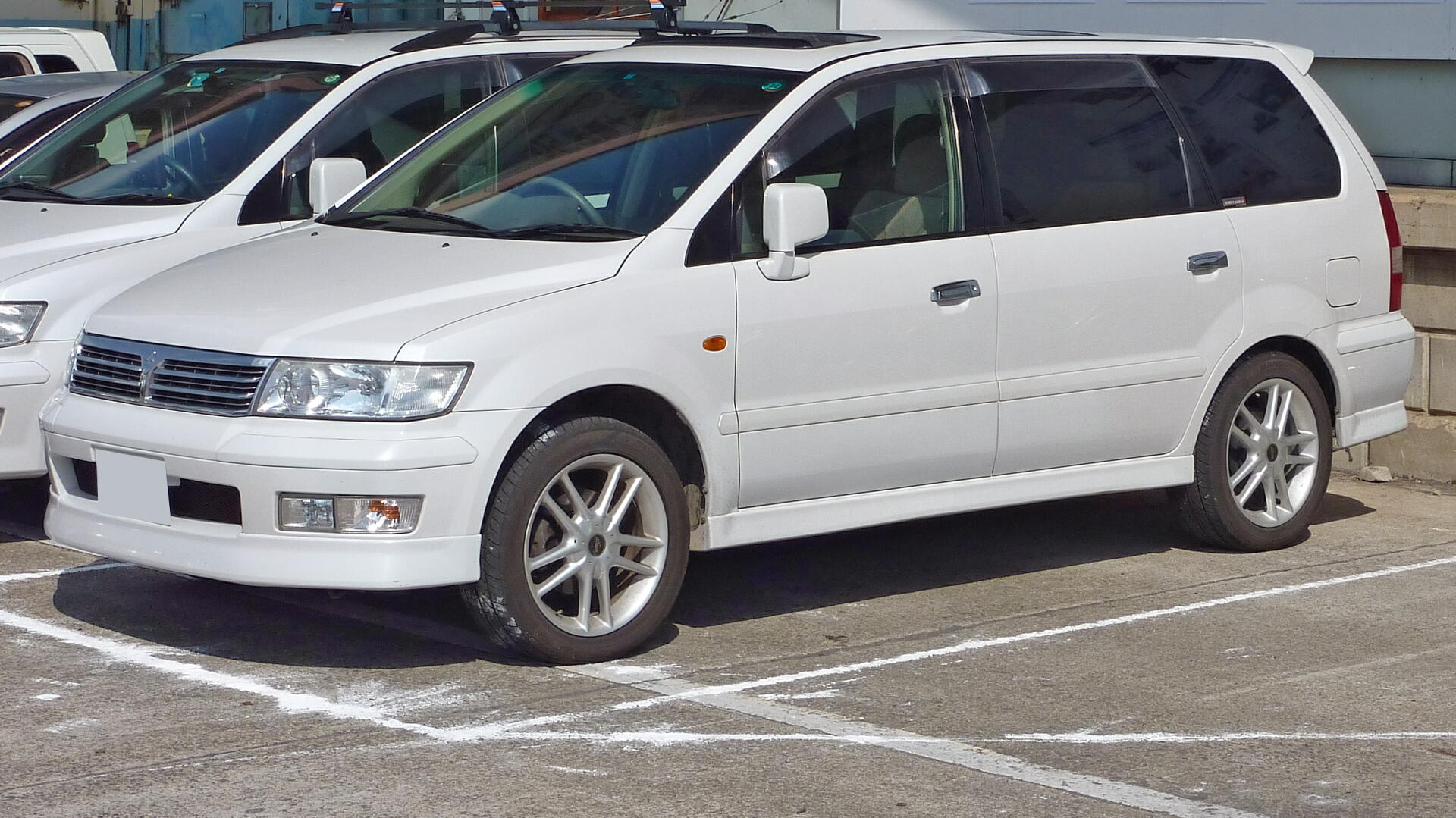 Pictures of mitsubishi lancer ix (9) station wagon 2004