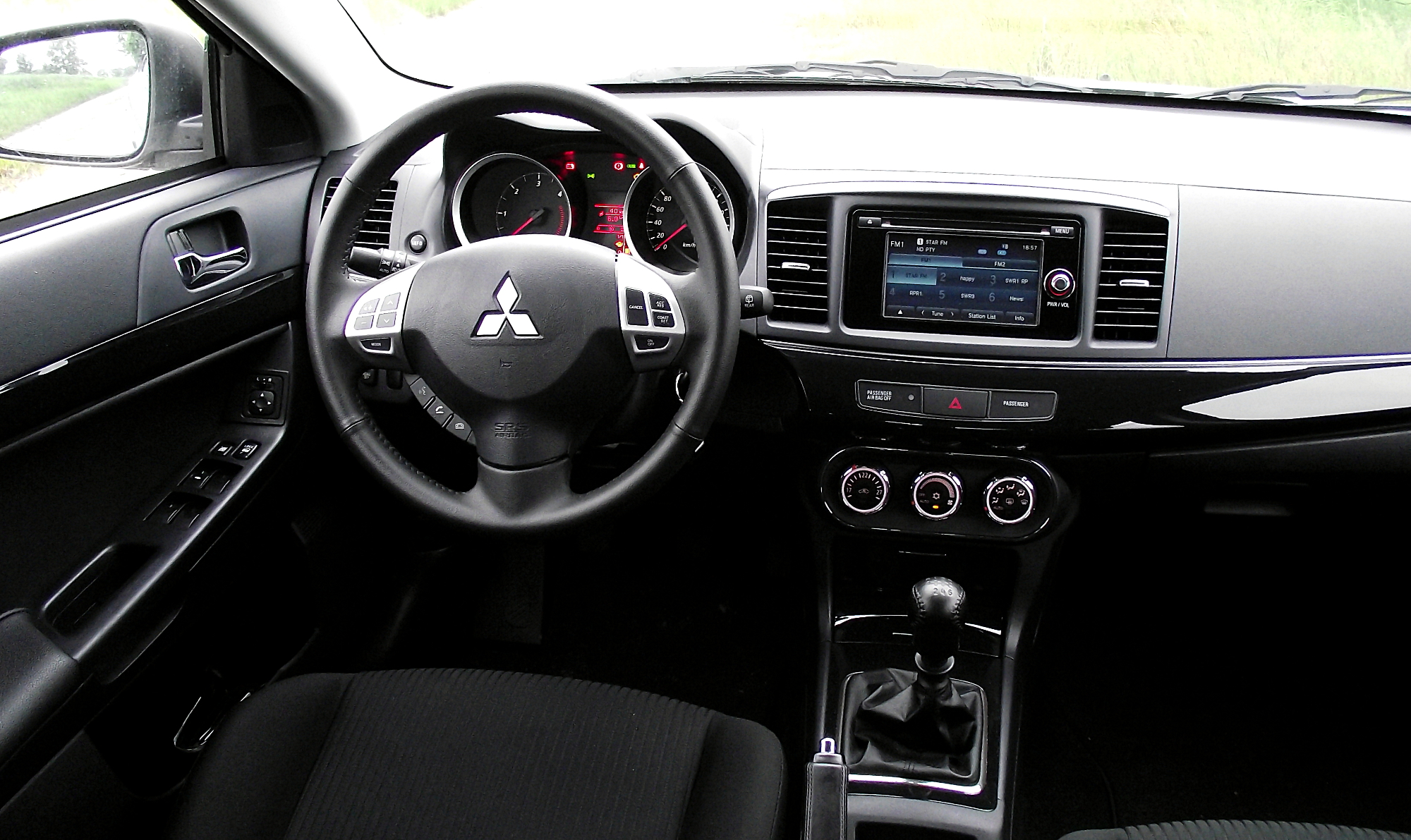Pictures of mitsubishi lancer x (10) sportback 2013