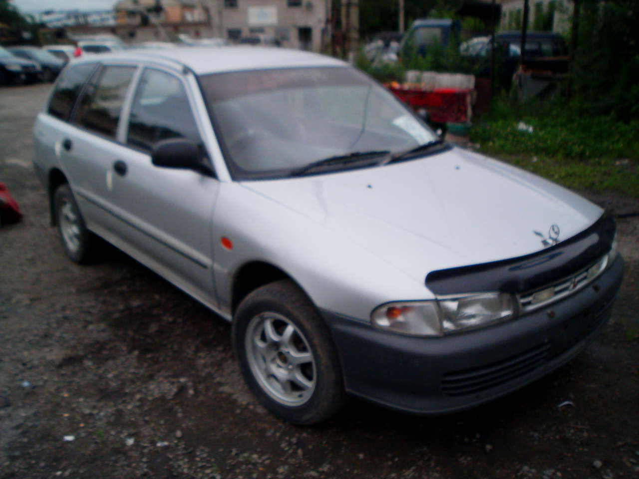 Pictures of mitsubishi libero 1996