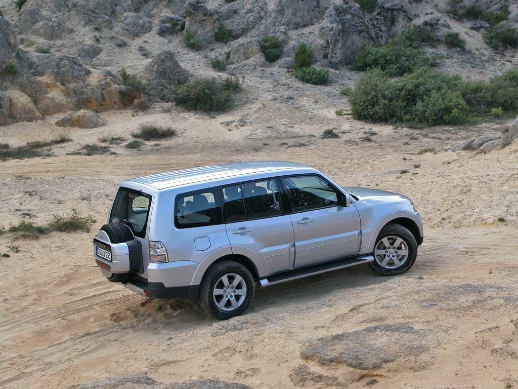 Pictures of mitsubishi montero #13