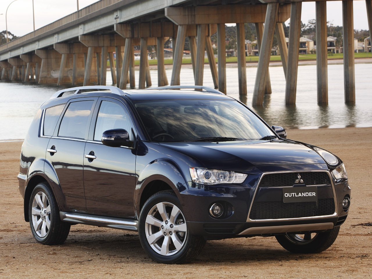 Pictures of mitsubishi outlander #14