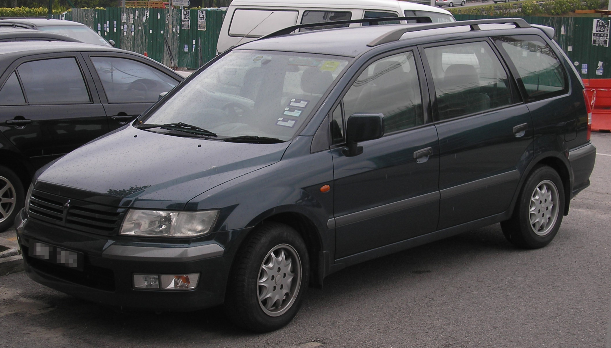Pictures of mitsubishi space wagon