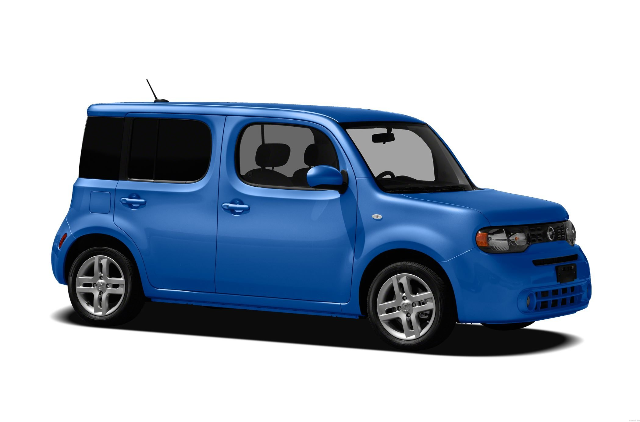 Pictures of nissan cube ii 2016