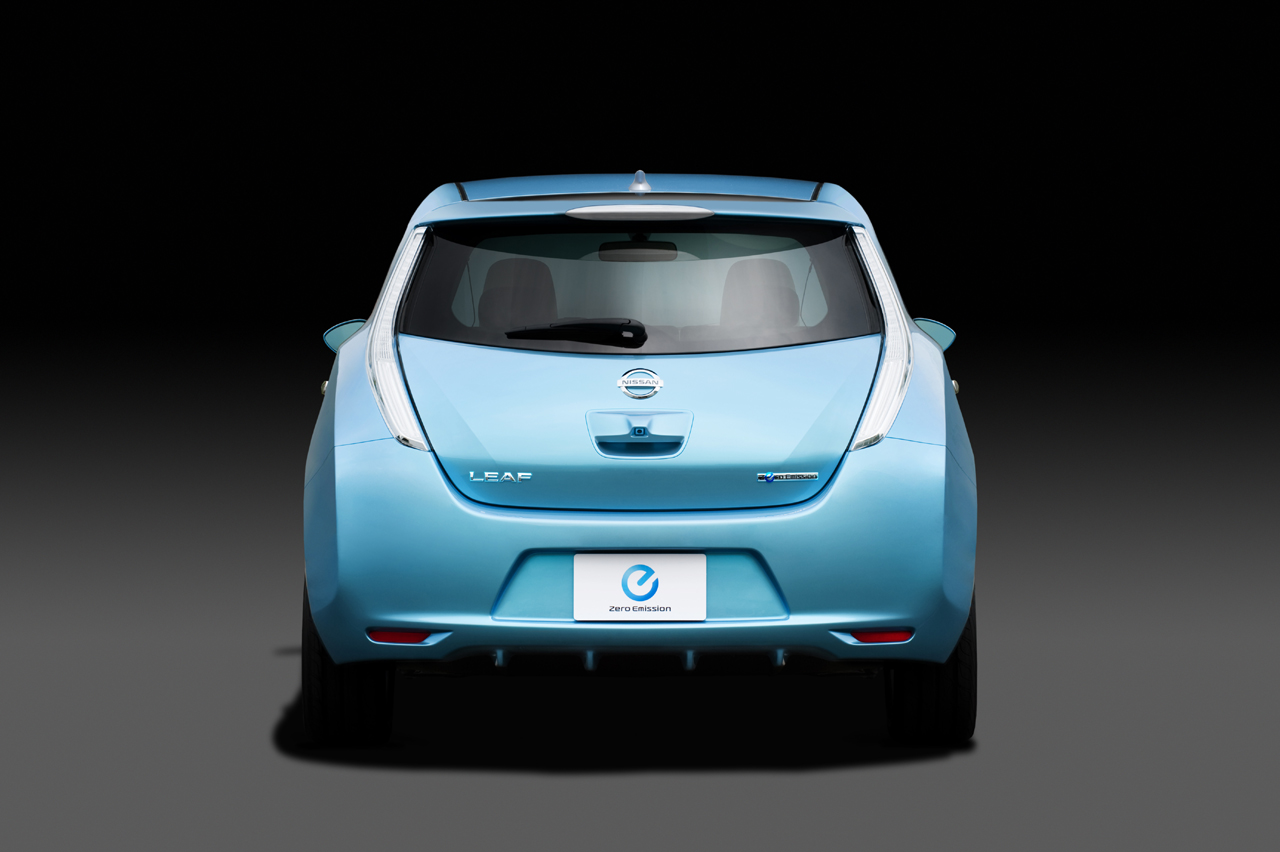 Pictures of nissan leaf 2011