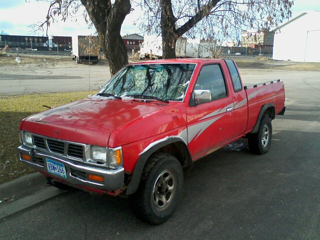 Pictures of nissan pick up #6