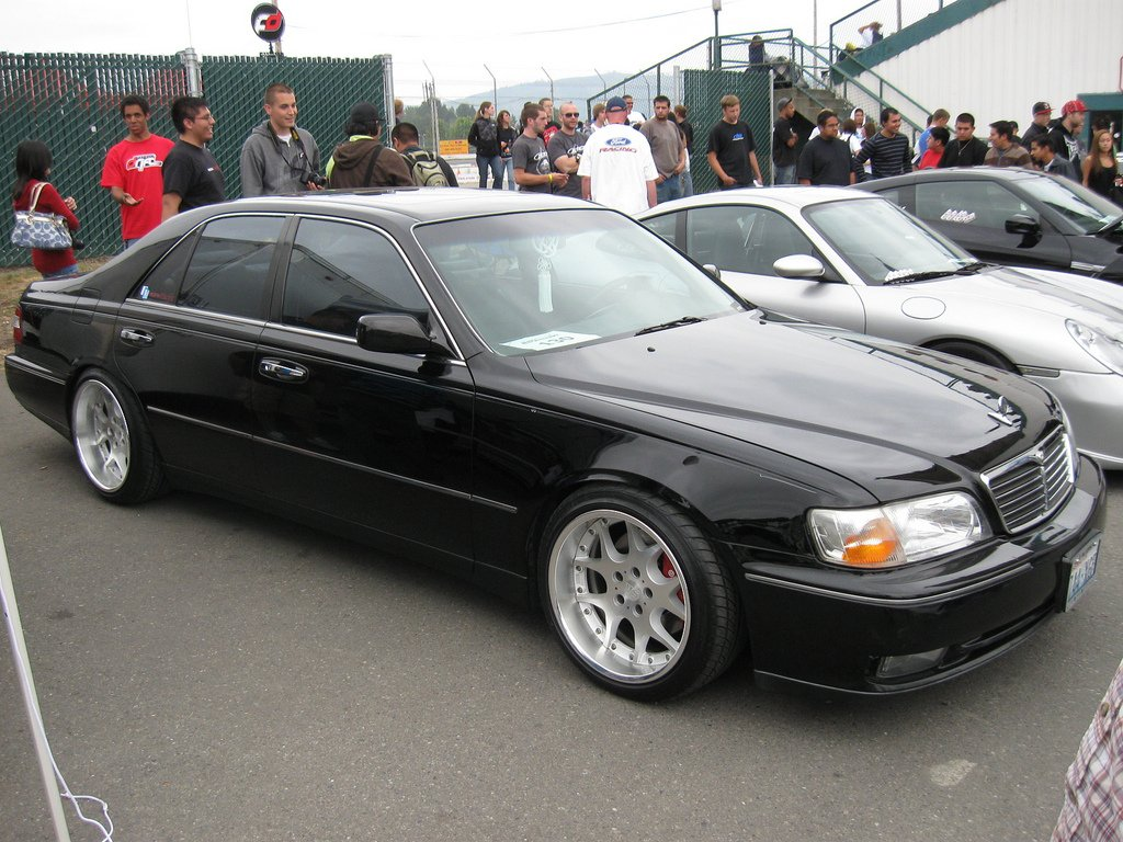 Pictures of nissan president (q45) 2001