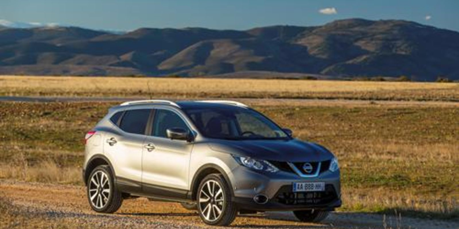 2015 nissan qashqai pictures information and specs auto. Black Bedroom Furniture Sets. Home Design Ideas