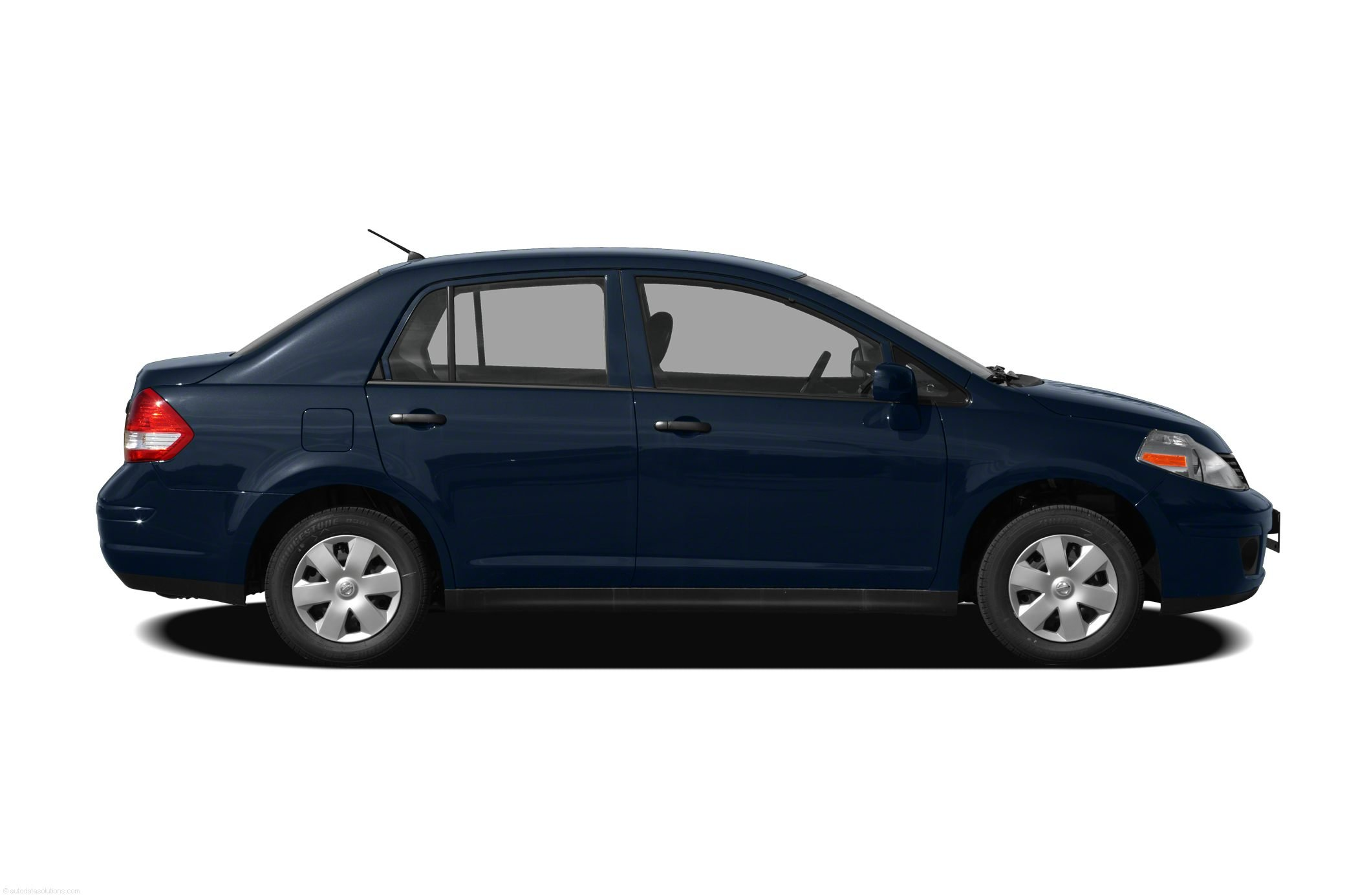 Pictures of nissan tiida sedan 2010
