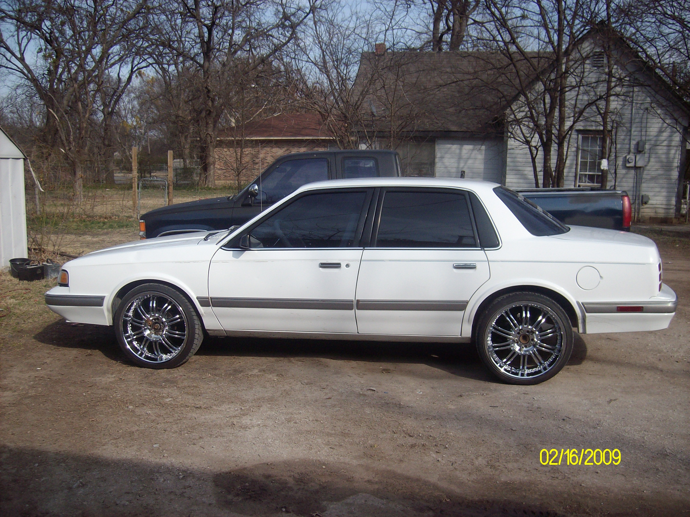 Pictures of oldsmobile cutlass ciera 2009