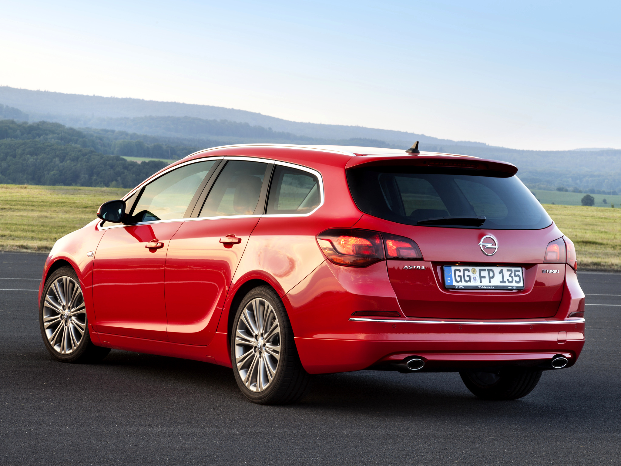 2012 Opel Astra j sports tourer - pictures, information ...