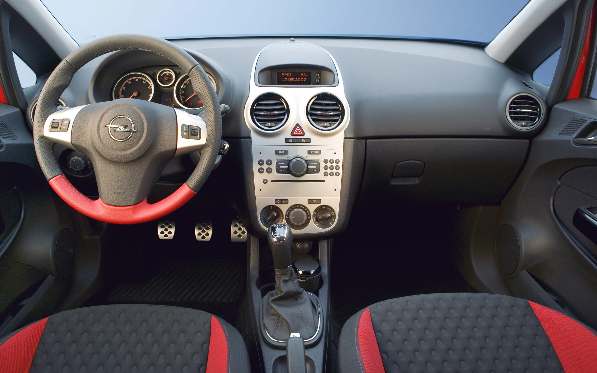 http://auto-database.com/image/pictures-of-opel-corsa-d-2007-115614.jpg