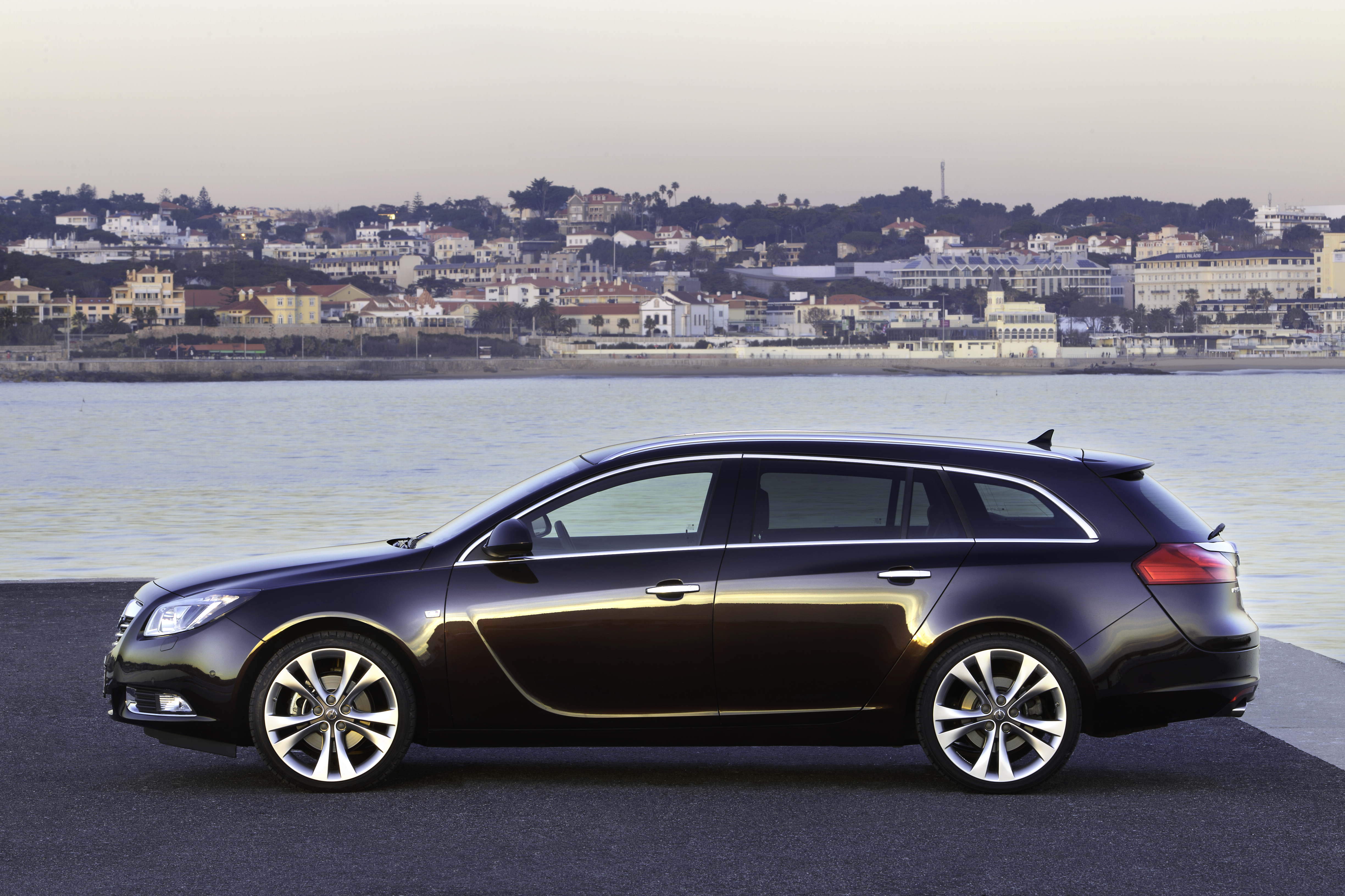 2010 opel insignia sport tourer pictures information and specs auto. Black Bedroom Furniture Sets. Home Design Ideas
