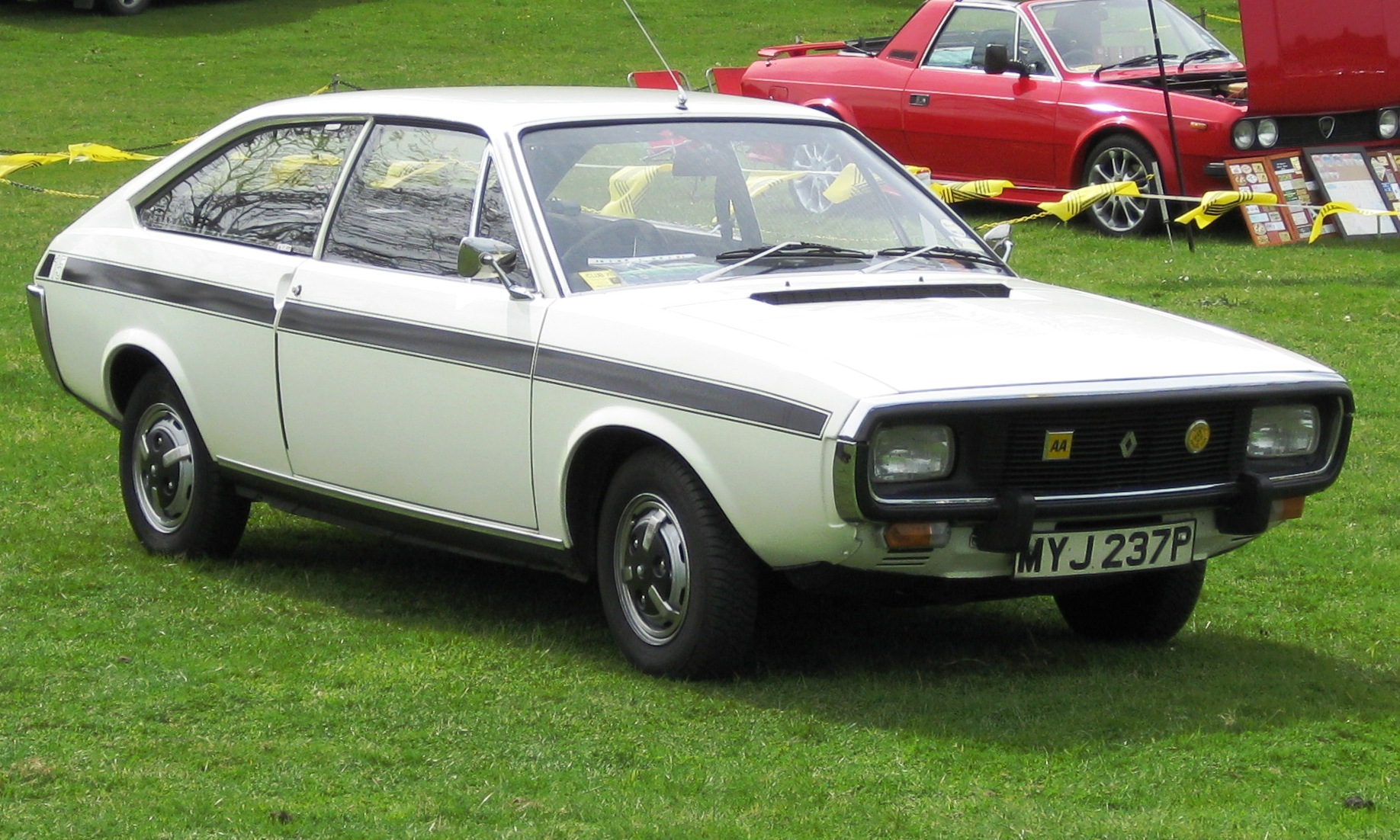 Pictures of renault 15