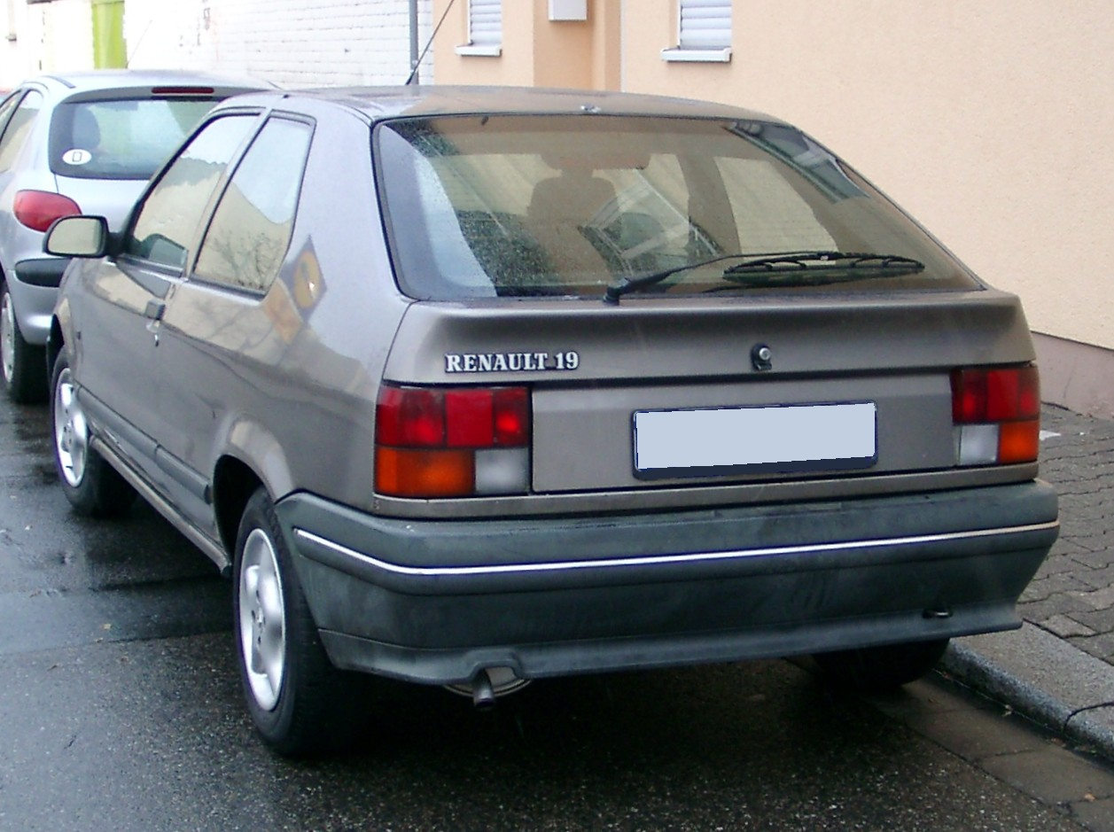 Pictures of renault 19