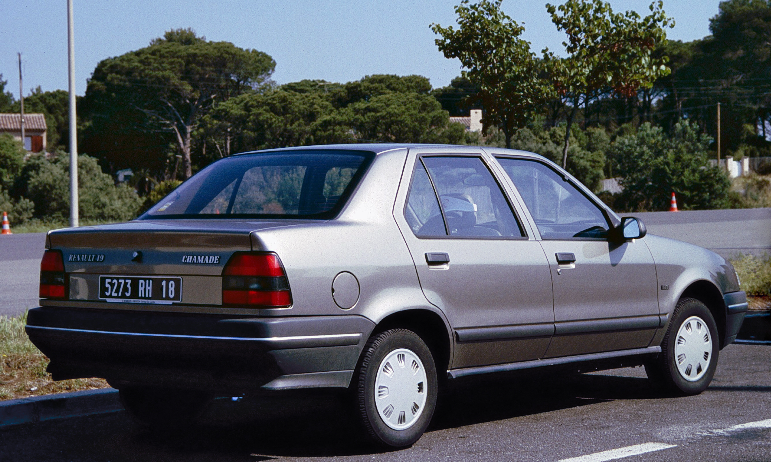 Pictures of renault 19 ii europa 1991