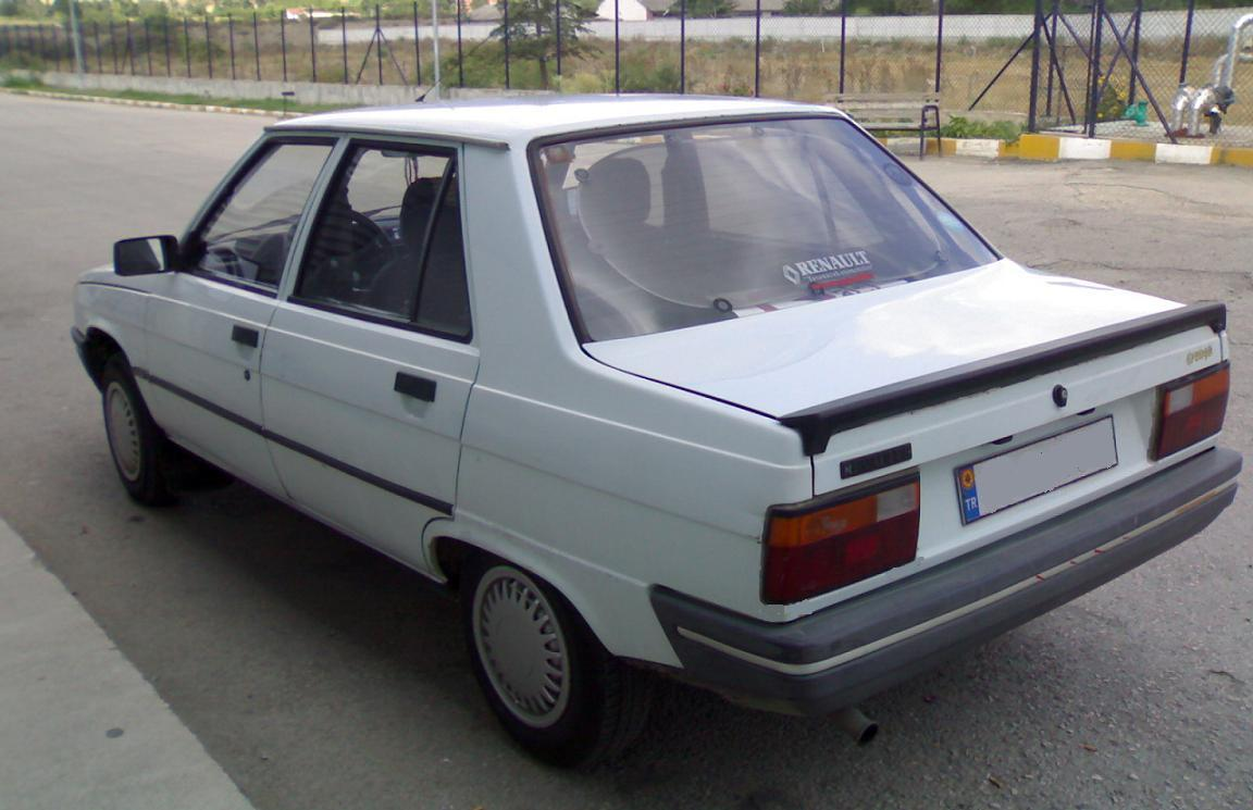Pictures of renault 9