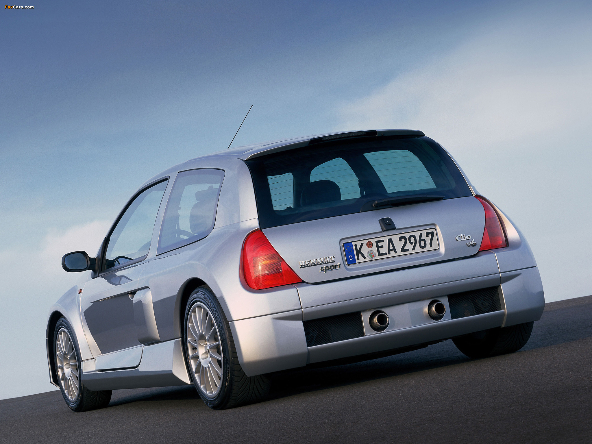 1999 Renault Clio ii sport – pictures, information and specs