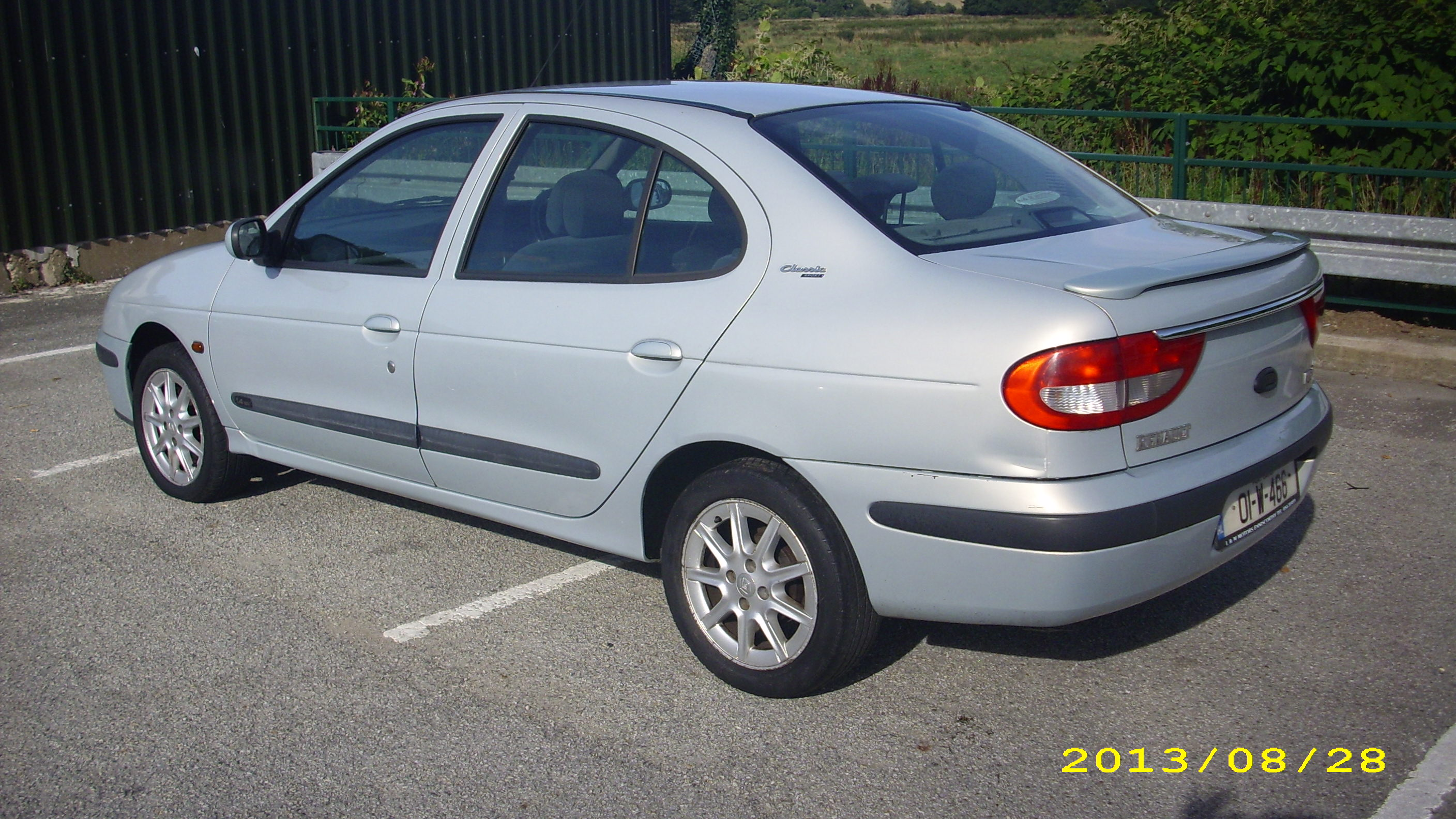 Pictures of renault megane ii classic 2001