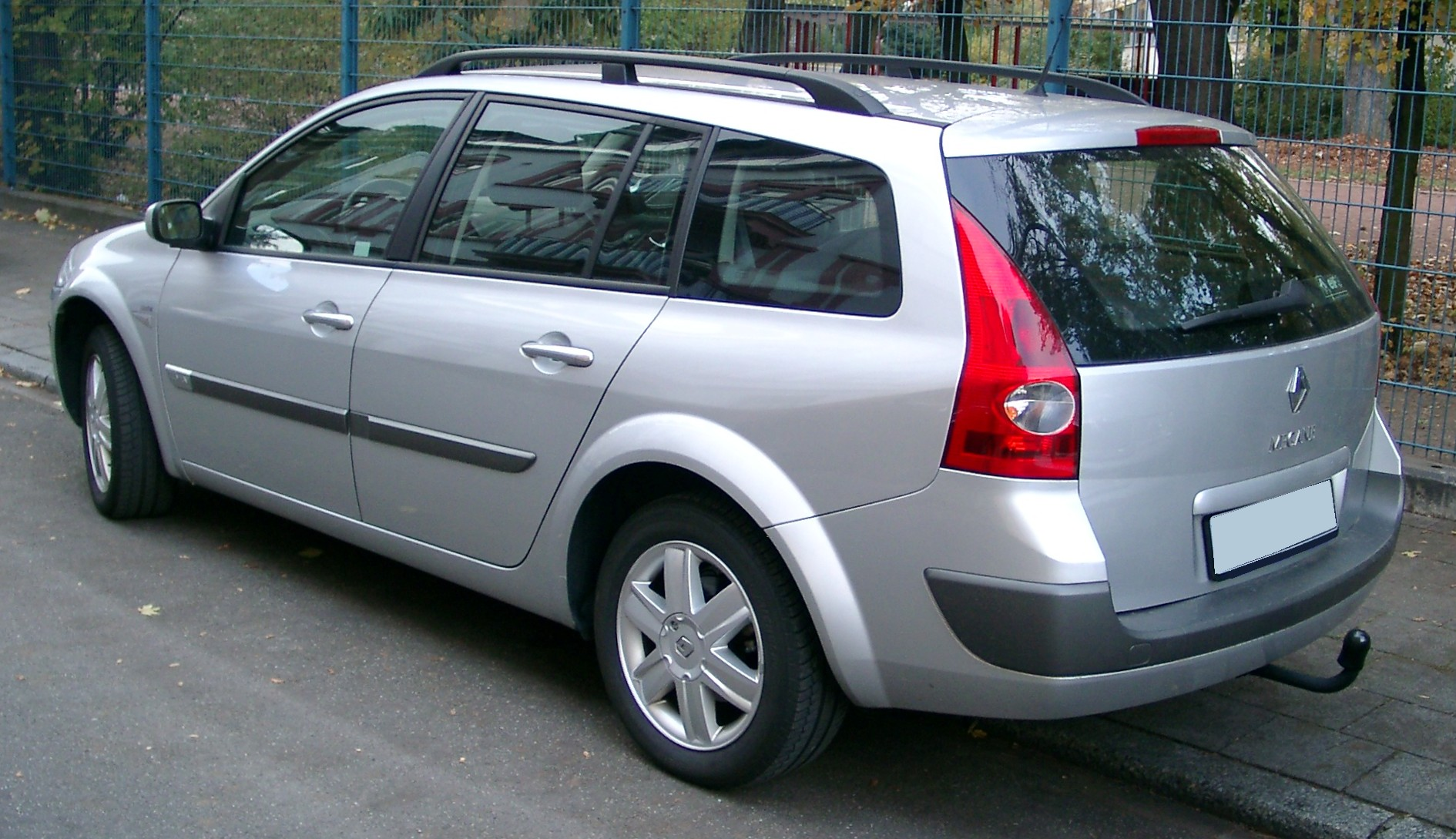 Pictures of renault megane ii grandtour 2004