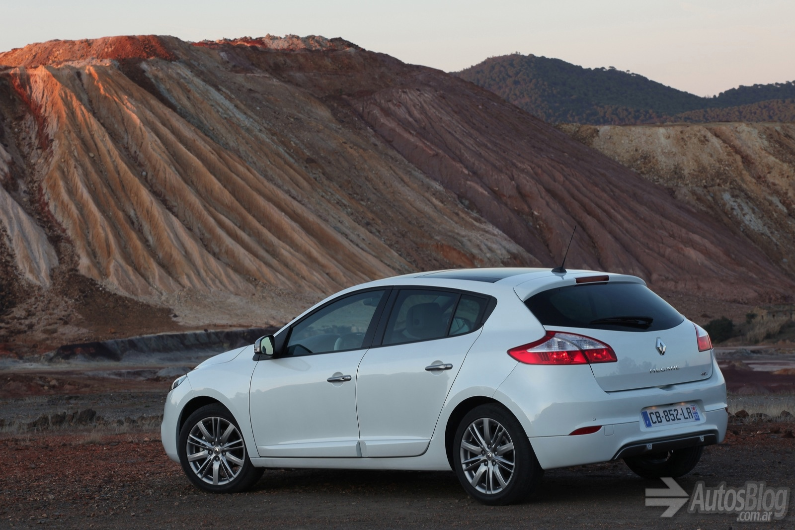 Pictures of renault megane iii 2013