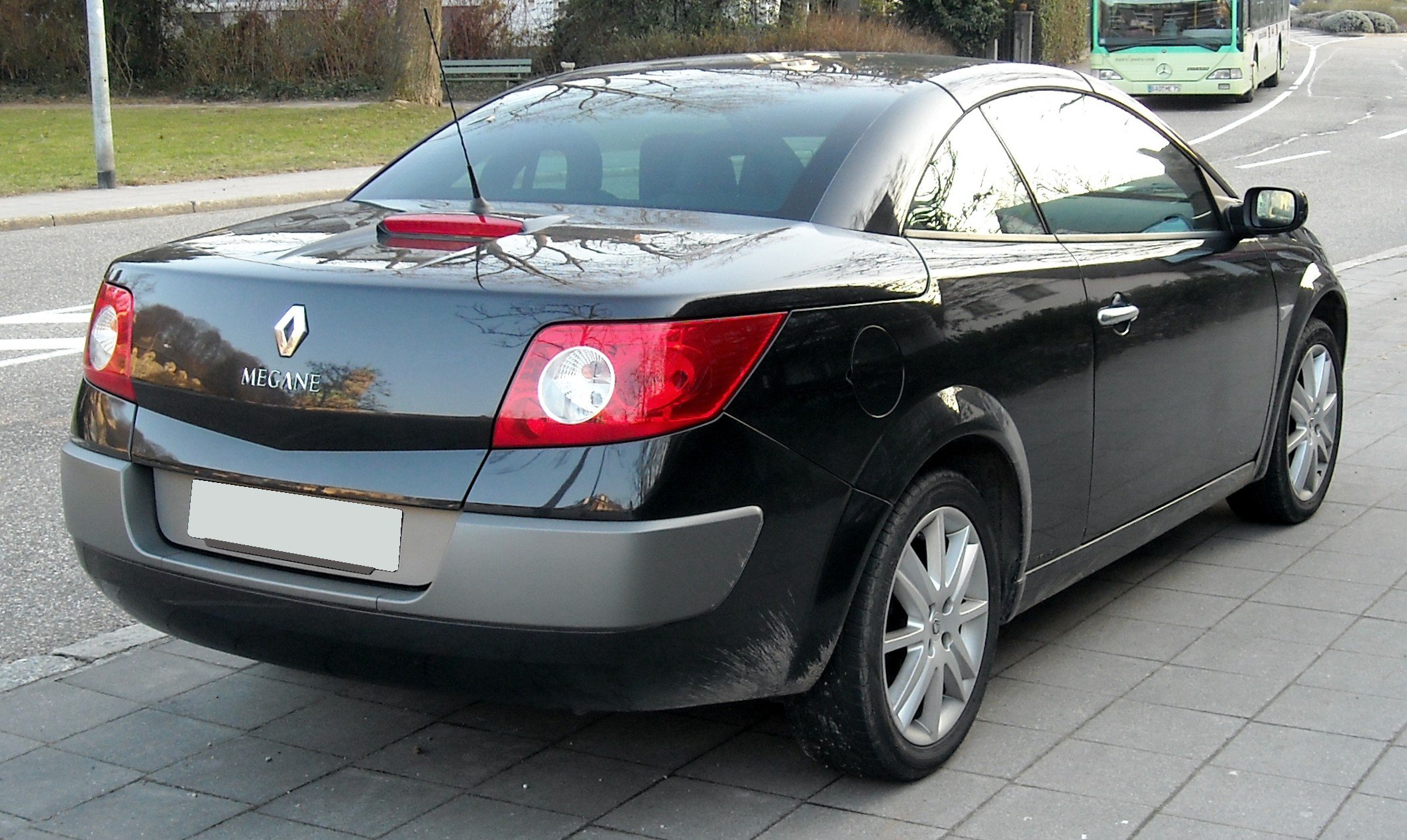 Pictures of renault megane iii cc 2009