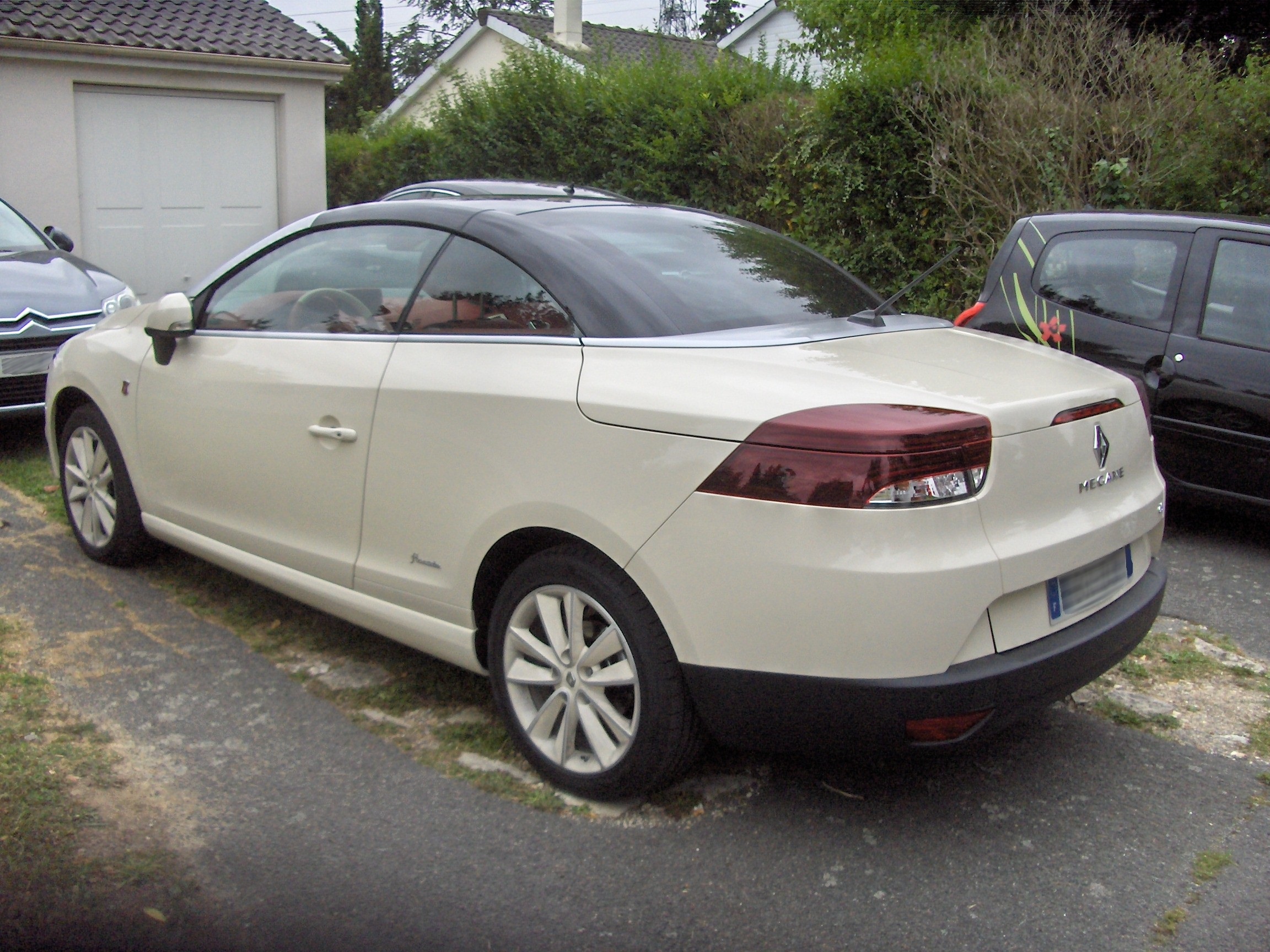 Pictures of renault megane iii cc 2011