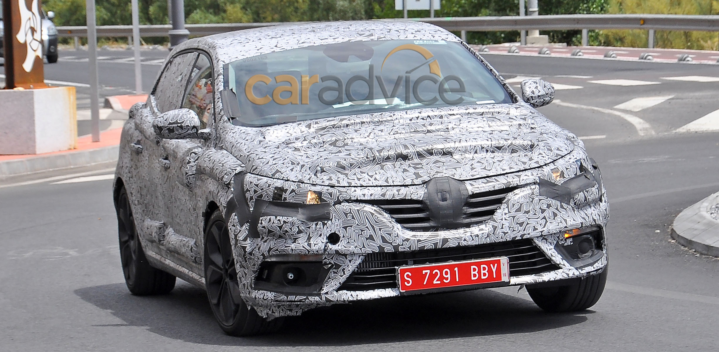 Pictures of renault megane iii cc 2016