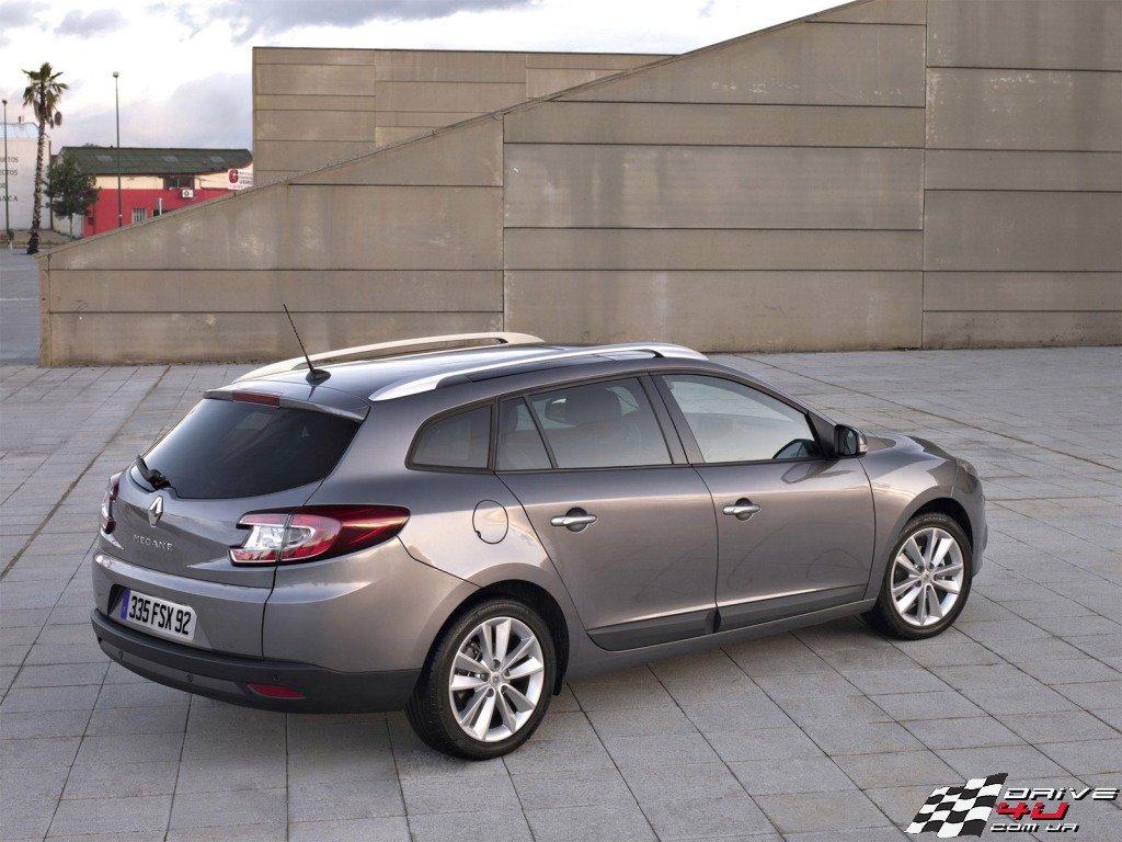 Pictures of renault megane iii estate 2010
