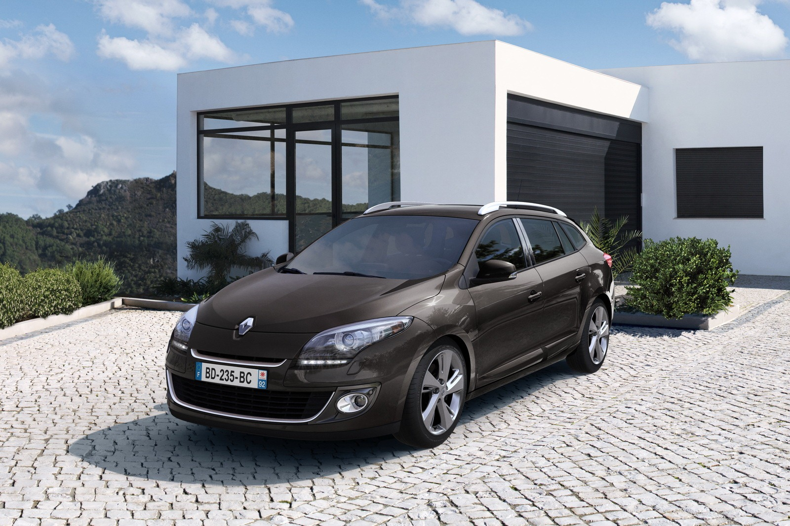 Pictures of renault megane iii estate 2012