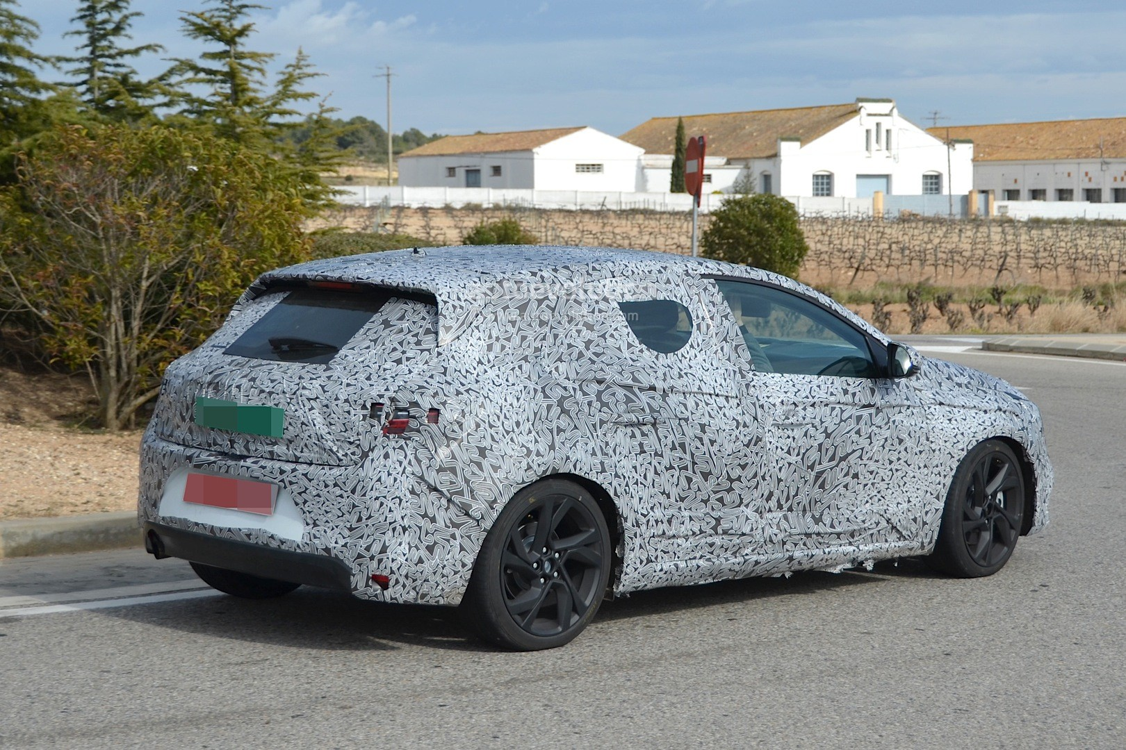 Pictures of renault megane iii estate 2016