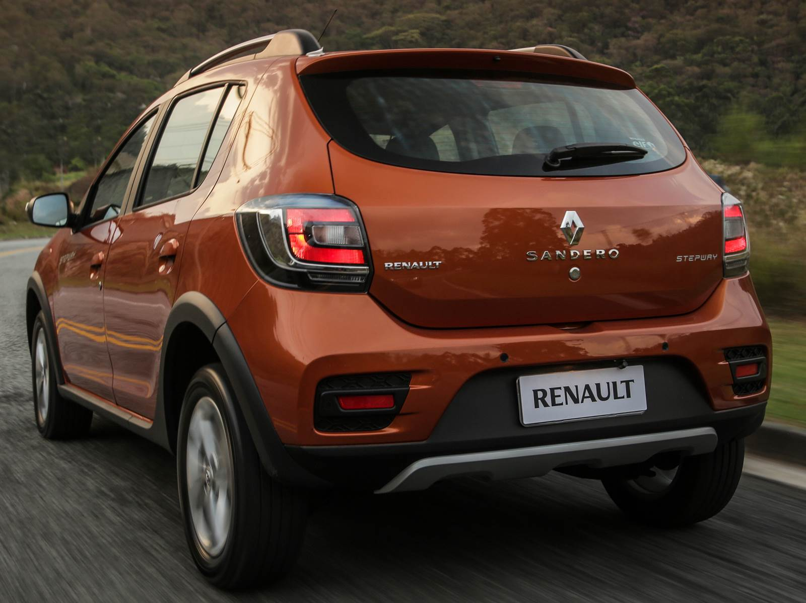 2015 renault sandero stepway pictures information and specs auto. Black Bedroom Furniture Sets. Home Design Ideas