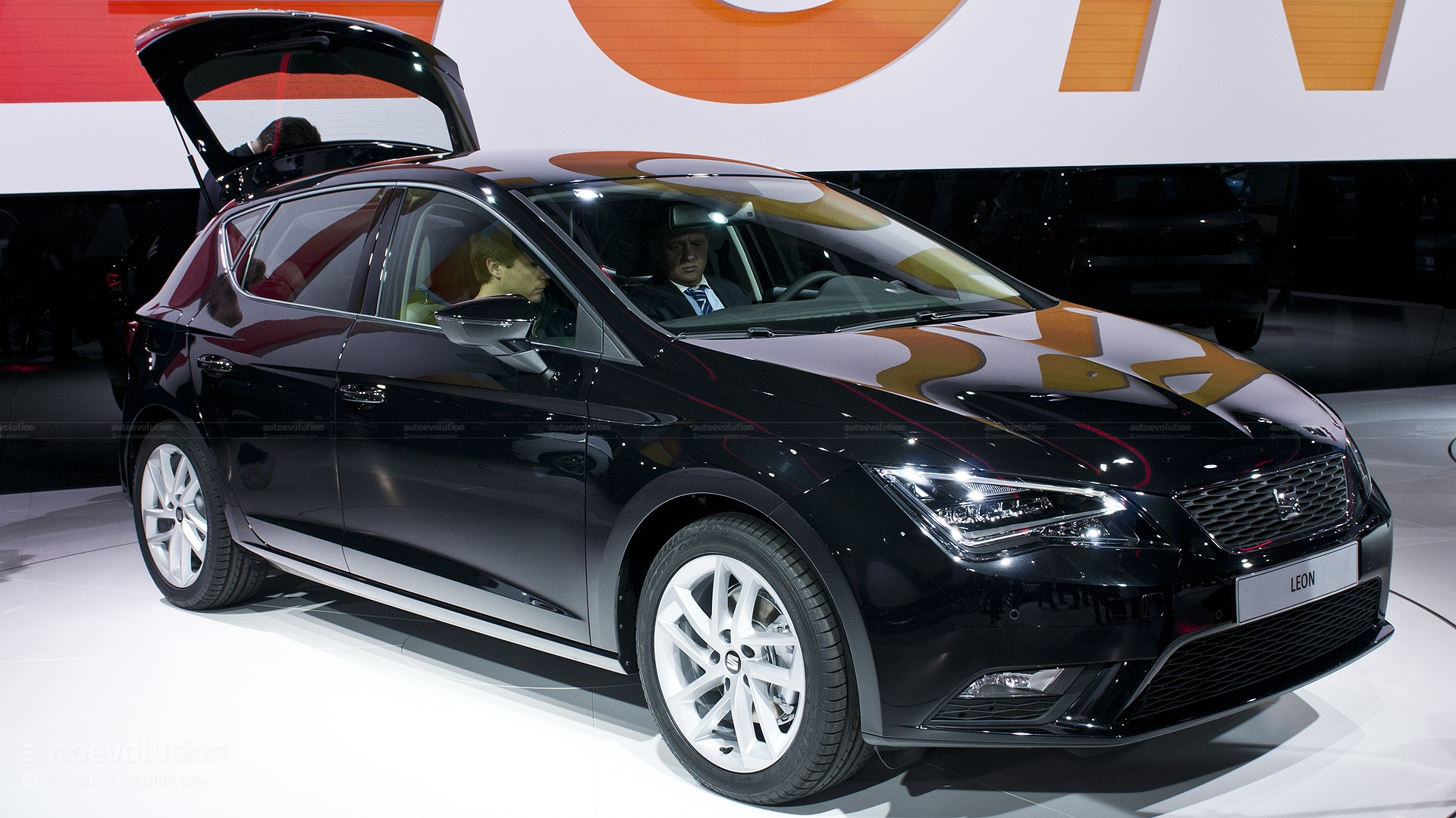 pictures of seat leon iii 2013 auto. Black Bedroom Furniture Sets. Home Design Ideas