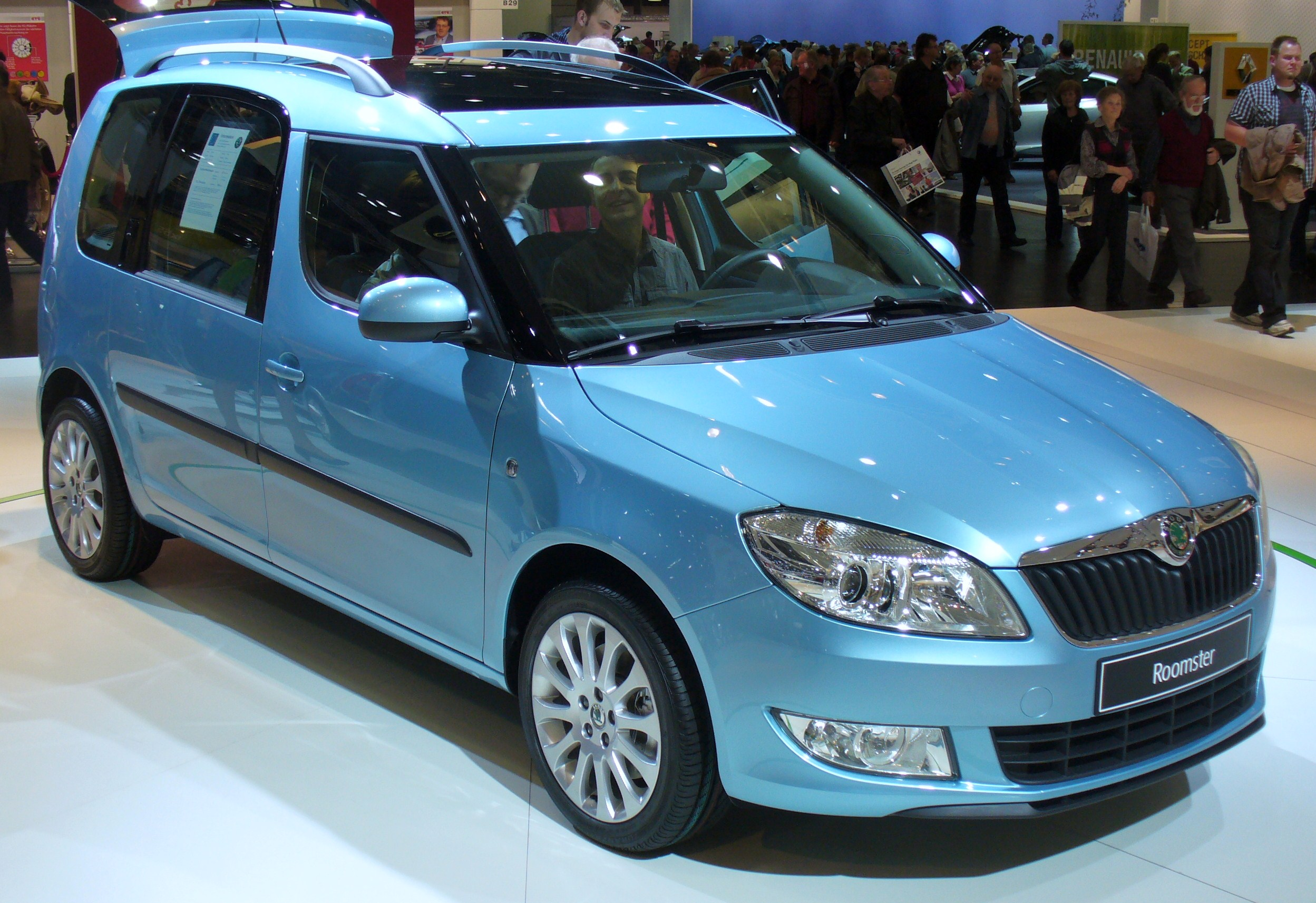 Pictures of skoda roomster