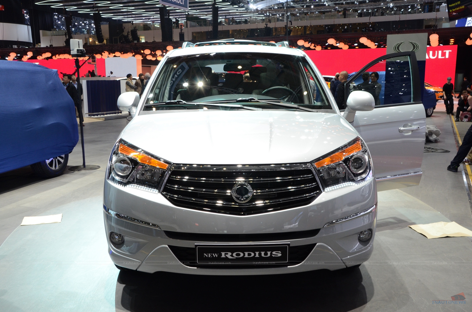Pictures of ssangyong rodius 2016 #11