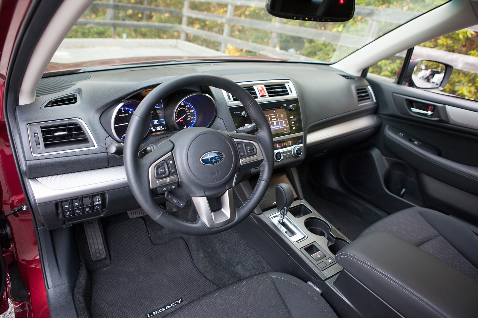 Pictures of subaru legacy outback iv 2015