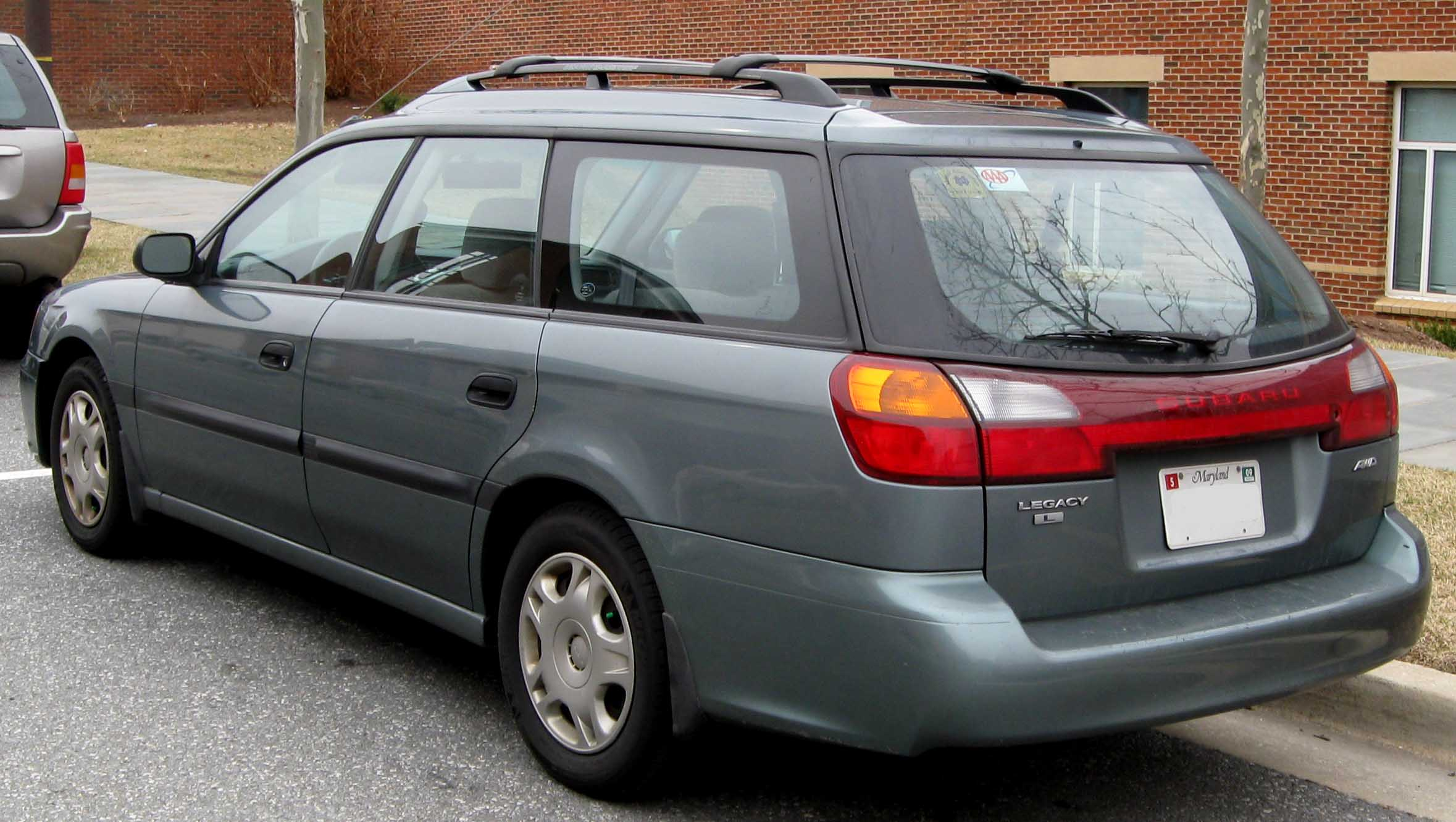 Pictures of subaru legacy wagon v 2011