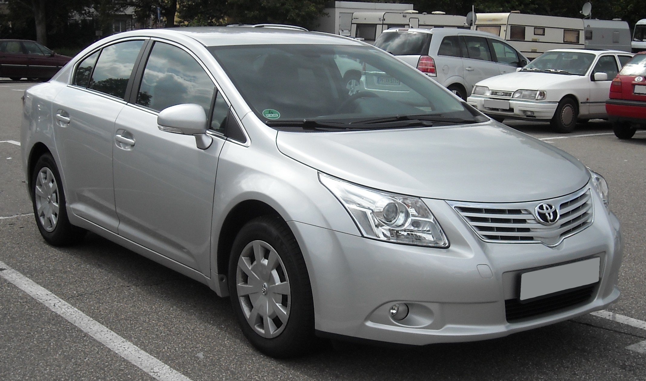 Pictures of toyota avensis iii 2013