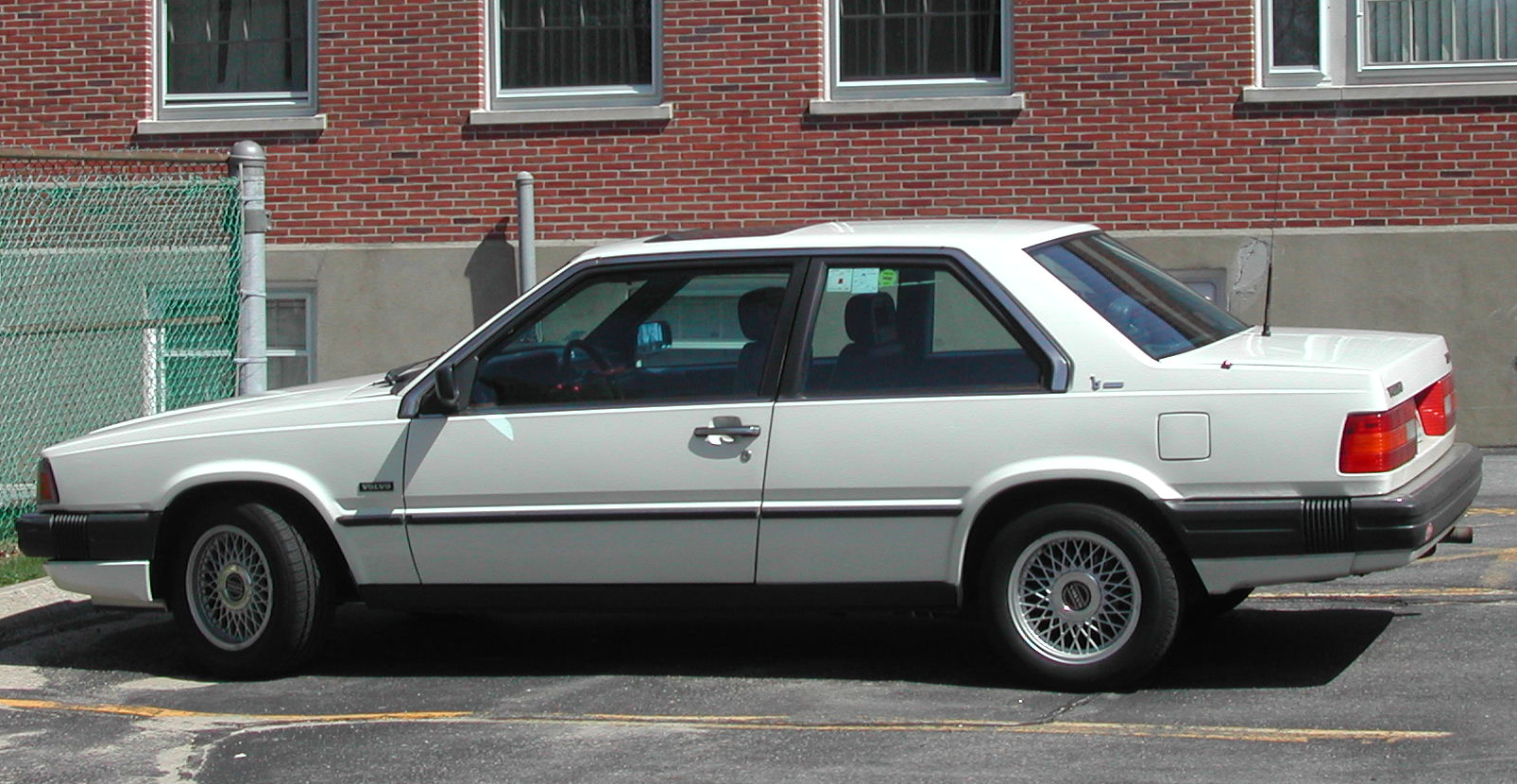 Pictures of volvo 780