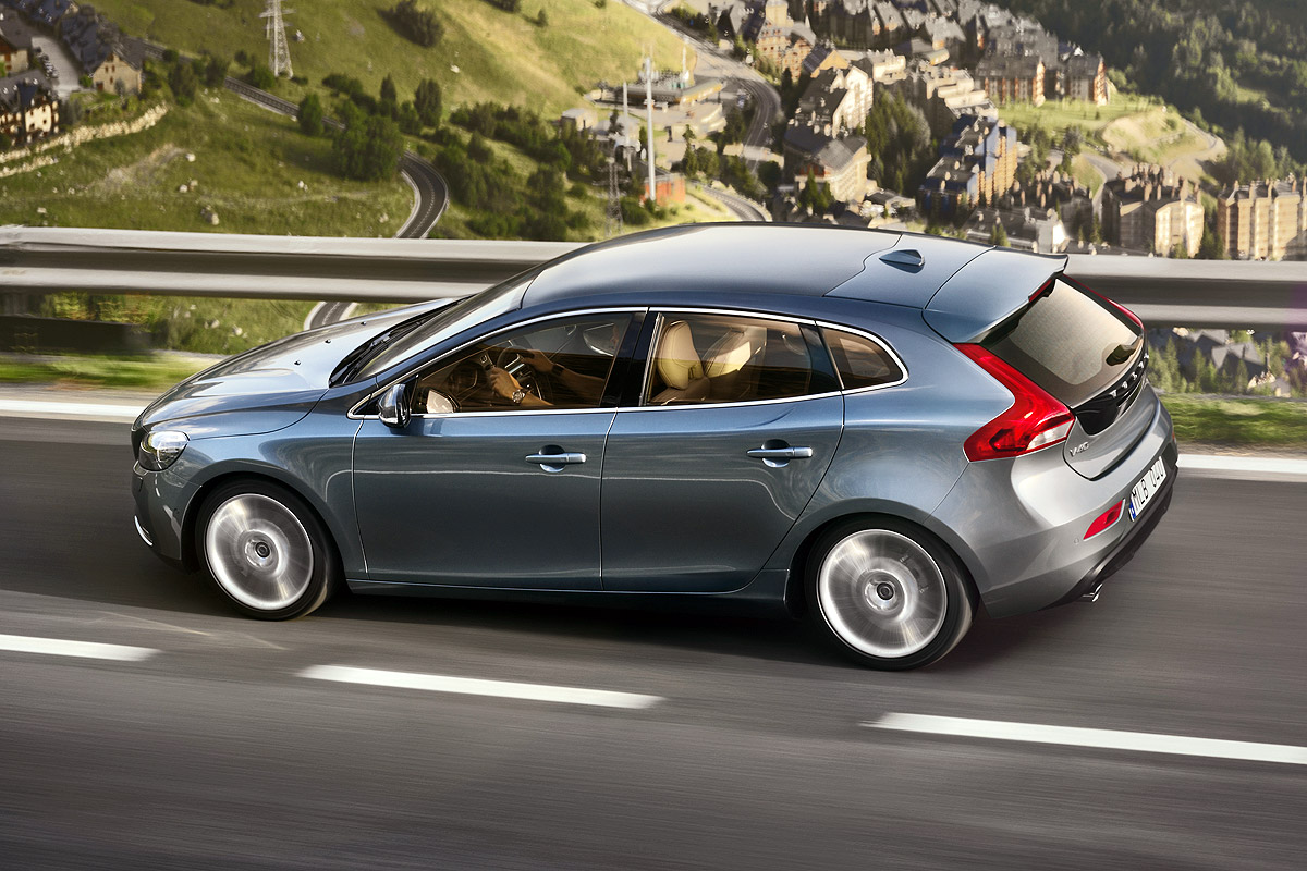 Pictures of volvo v40